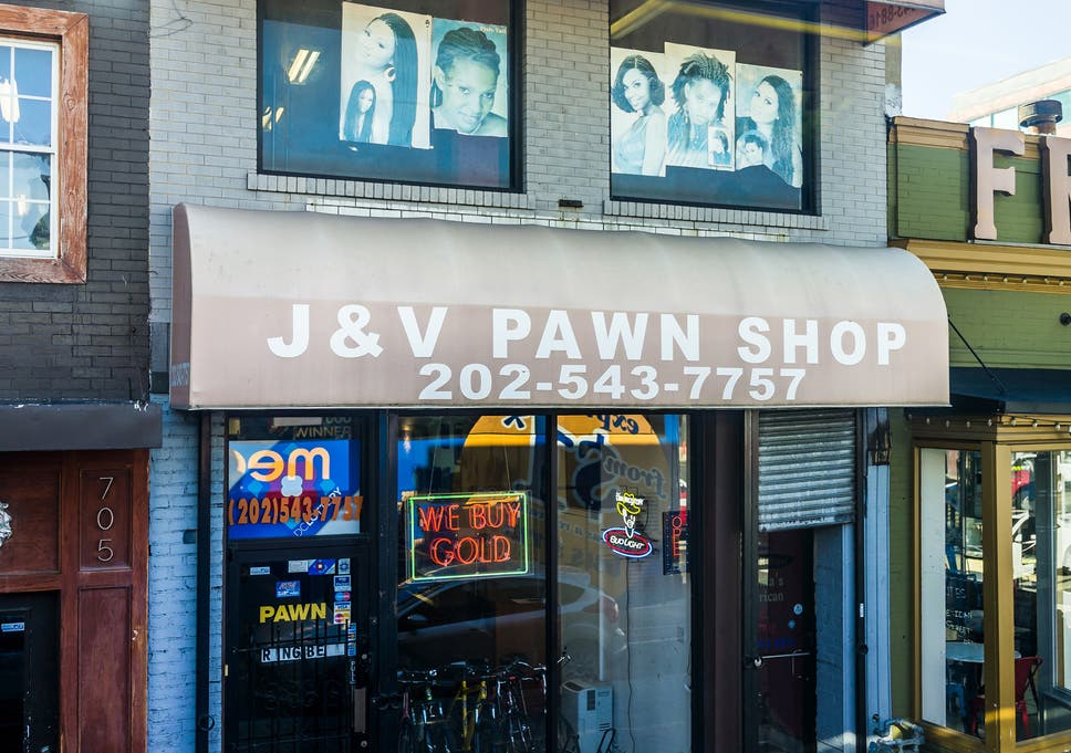 Government shutdown: US federal workers turn to pawn shops