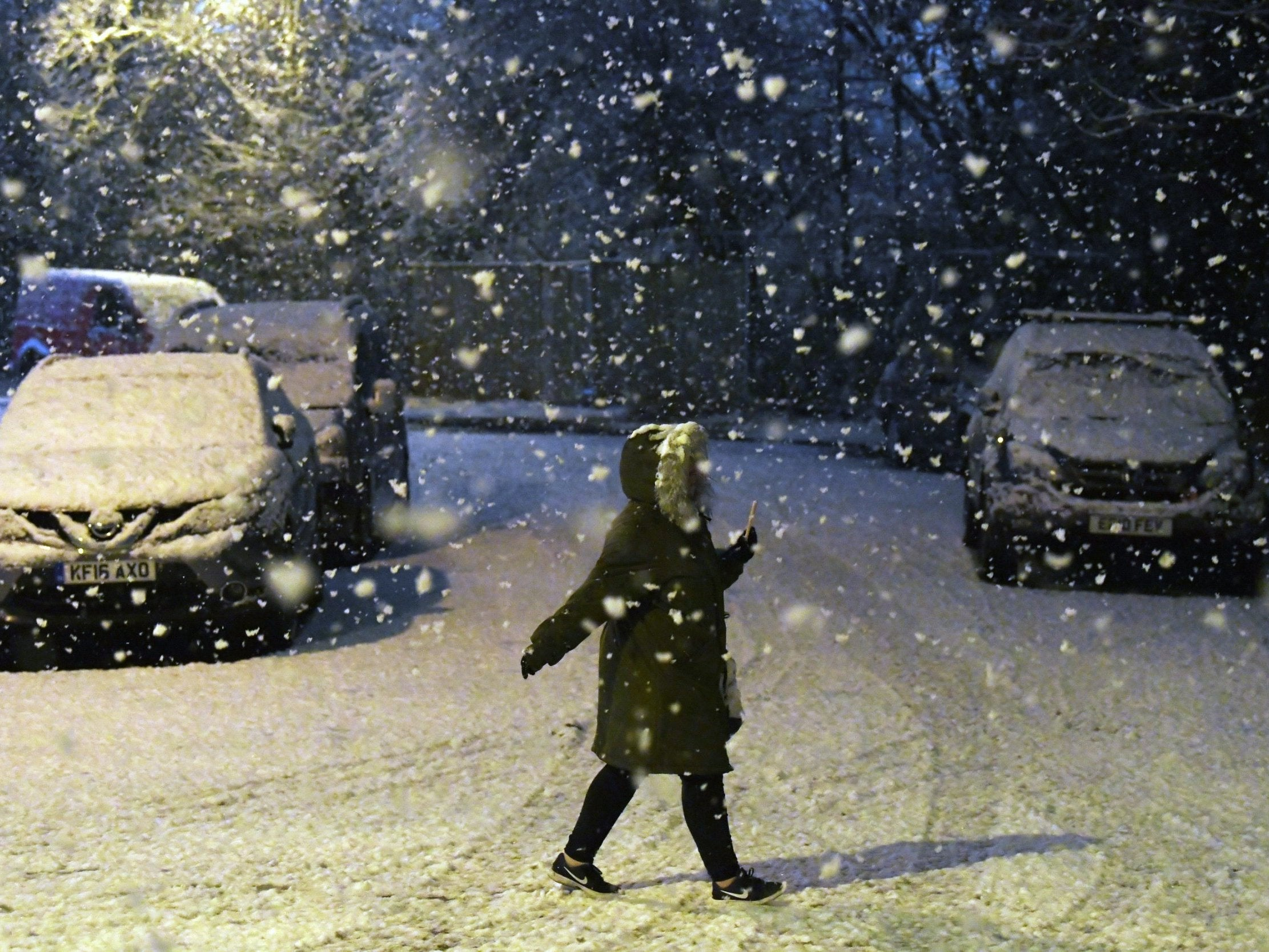 UK weather forecast: Met Office issues severe ice warning as freezing temperatures drop below -10C