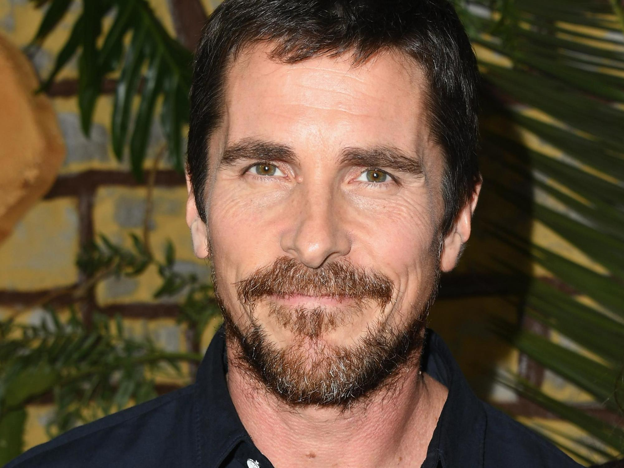 Christian Bale S Accent Confuses British Television Viewers It S Weird Hearing Him Speak In His Real Voice The Independent The Independent