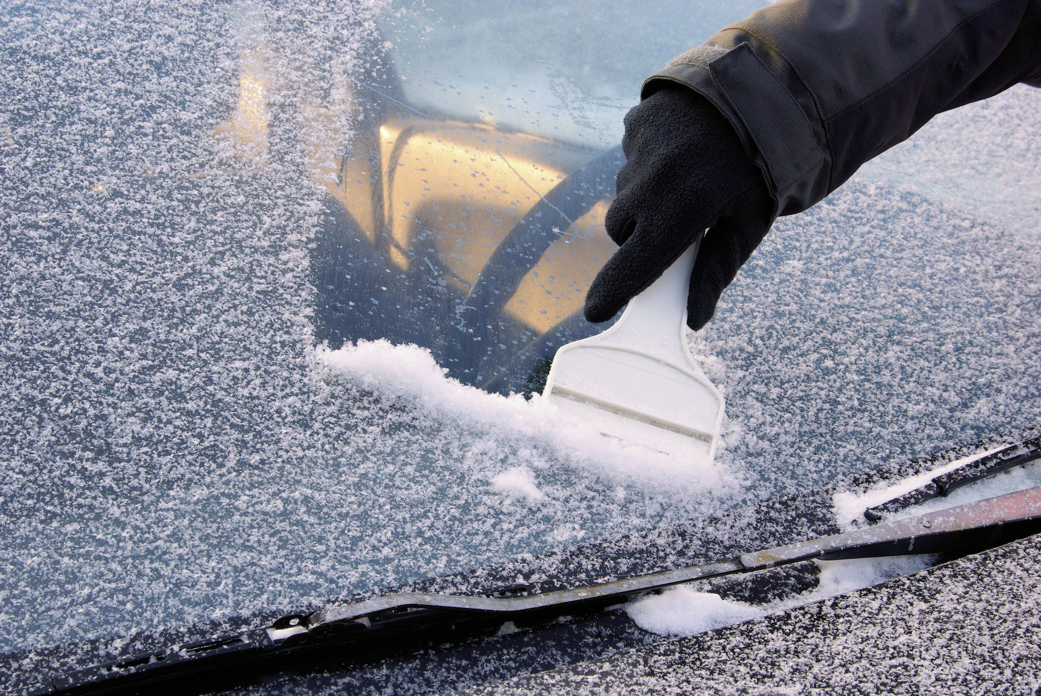 How to de-ice your car as quickly as possible