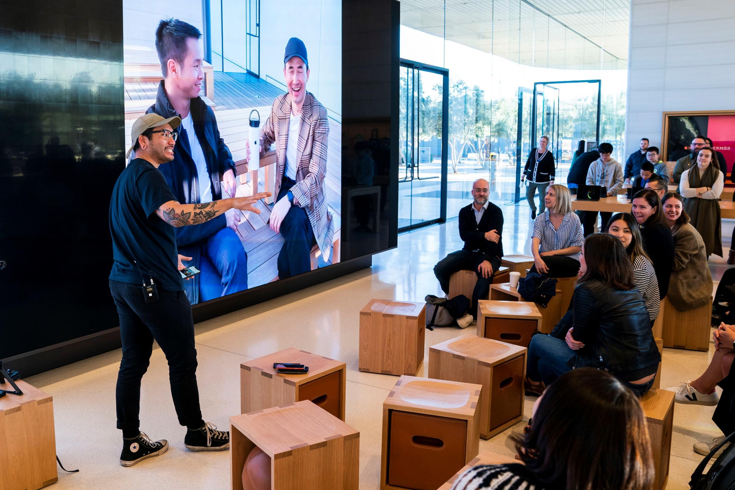 Apple updates stores to include Today at Apple sessions 'to help