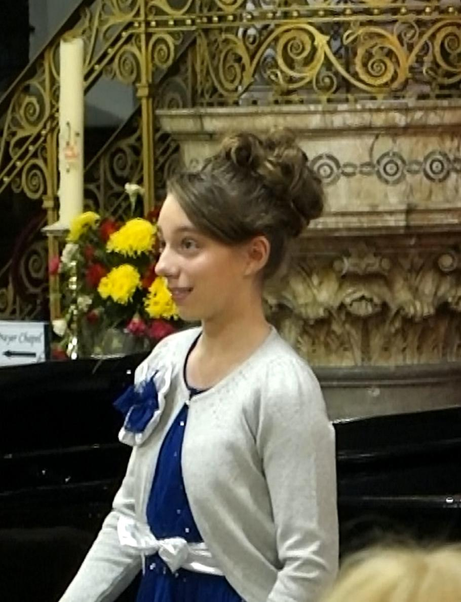 Mother Spots Lump On Daughters Back During Opera Lesson Turns Out
