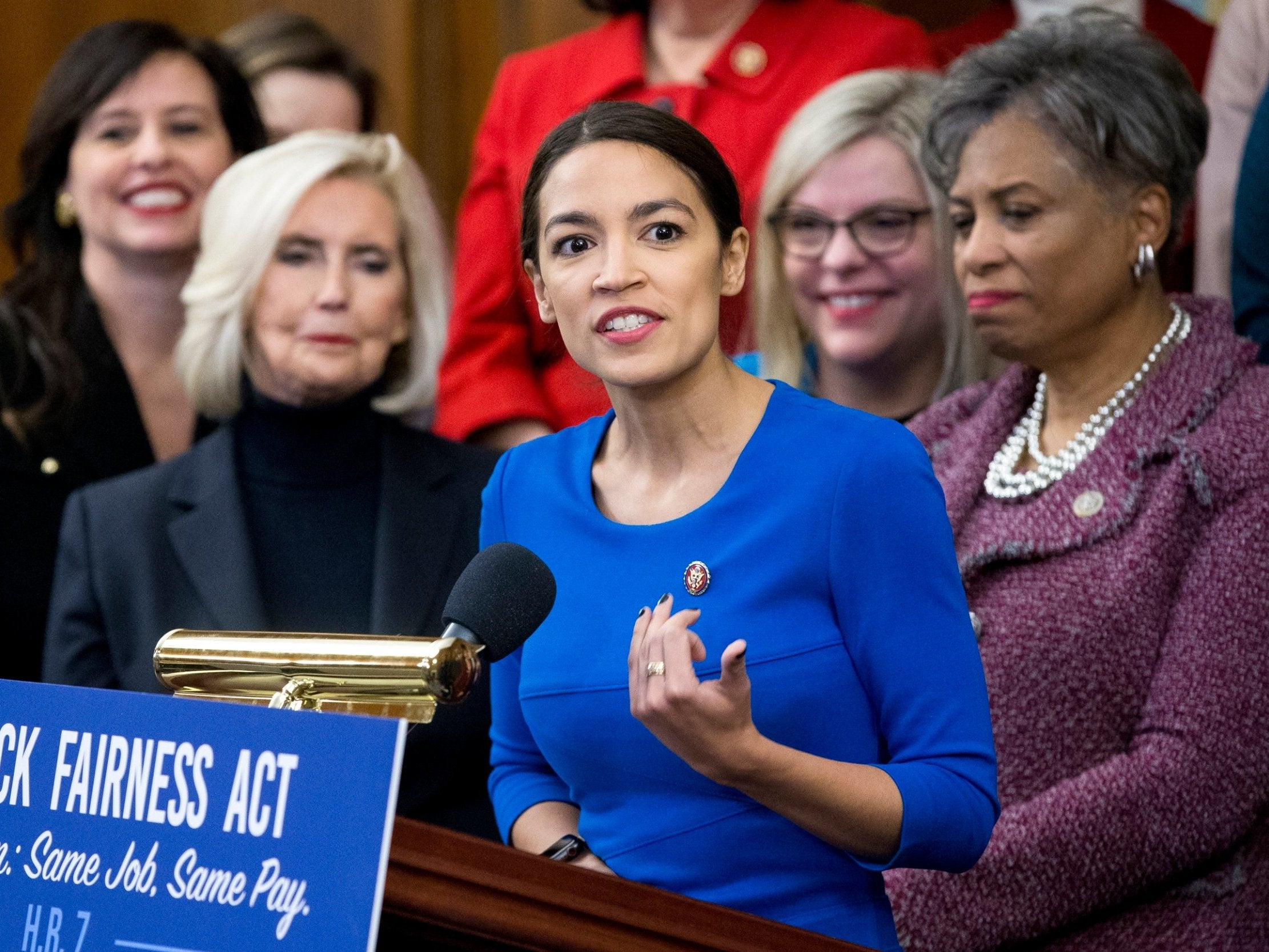 State of the Union: Alexandria Ocasio-Cortez bringing woman who cornered Jeff Flake at Brett Kavanaugh hearing as her guest