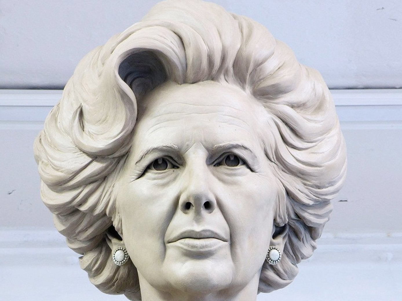 Over 2,300 people pledge to take part in egg-throwing contest at Margaret Thatcher statue unveiling