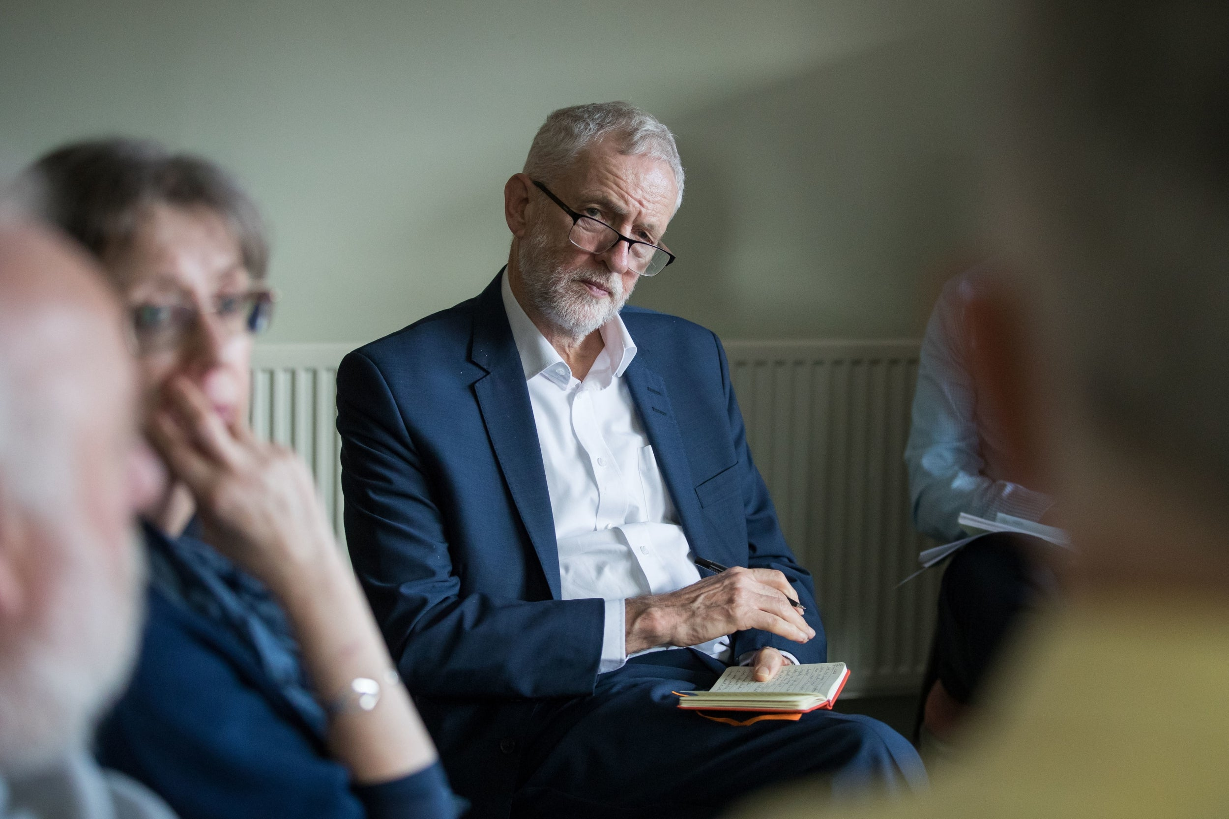 Brexit: Jeremy Corbyn to visit Brussels for talks with EU negotiators