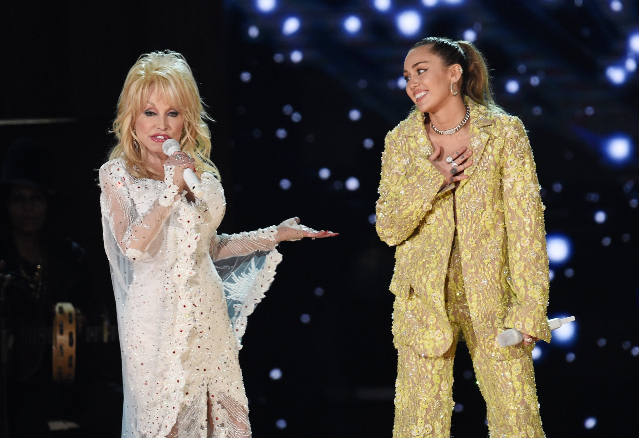 Dolly Parton Latest News Breaking Stories And Comment The