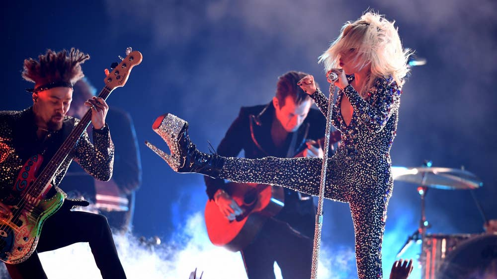 Grammys 2019 All The Best Performances Looks From Lady