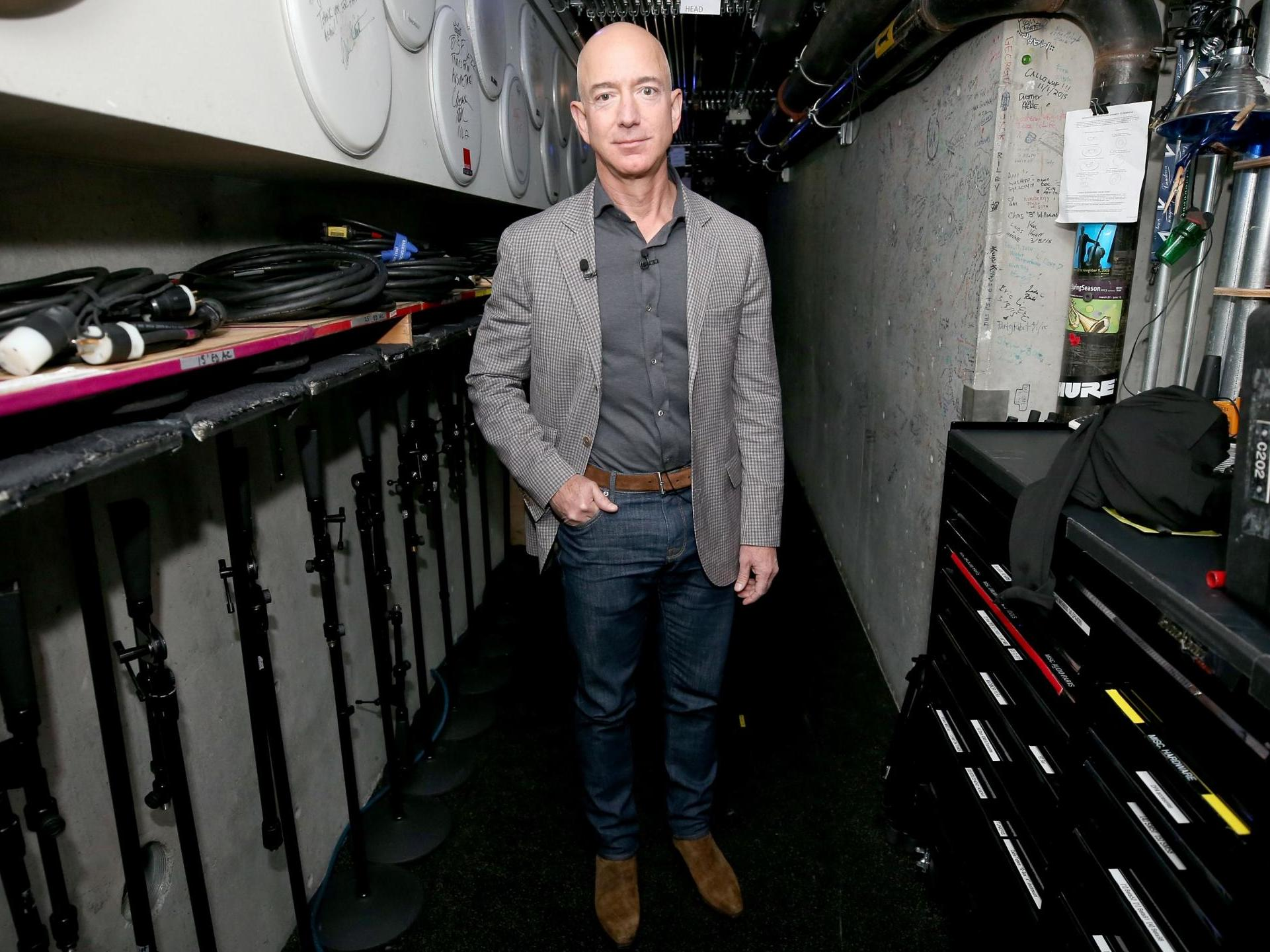 Jeff Bezos probe 'concludes brother of Amazon boss's mistress was National Enquirer source' of intimate text messages