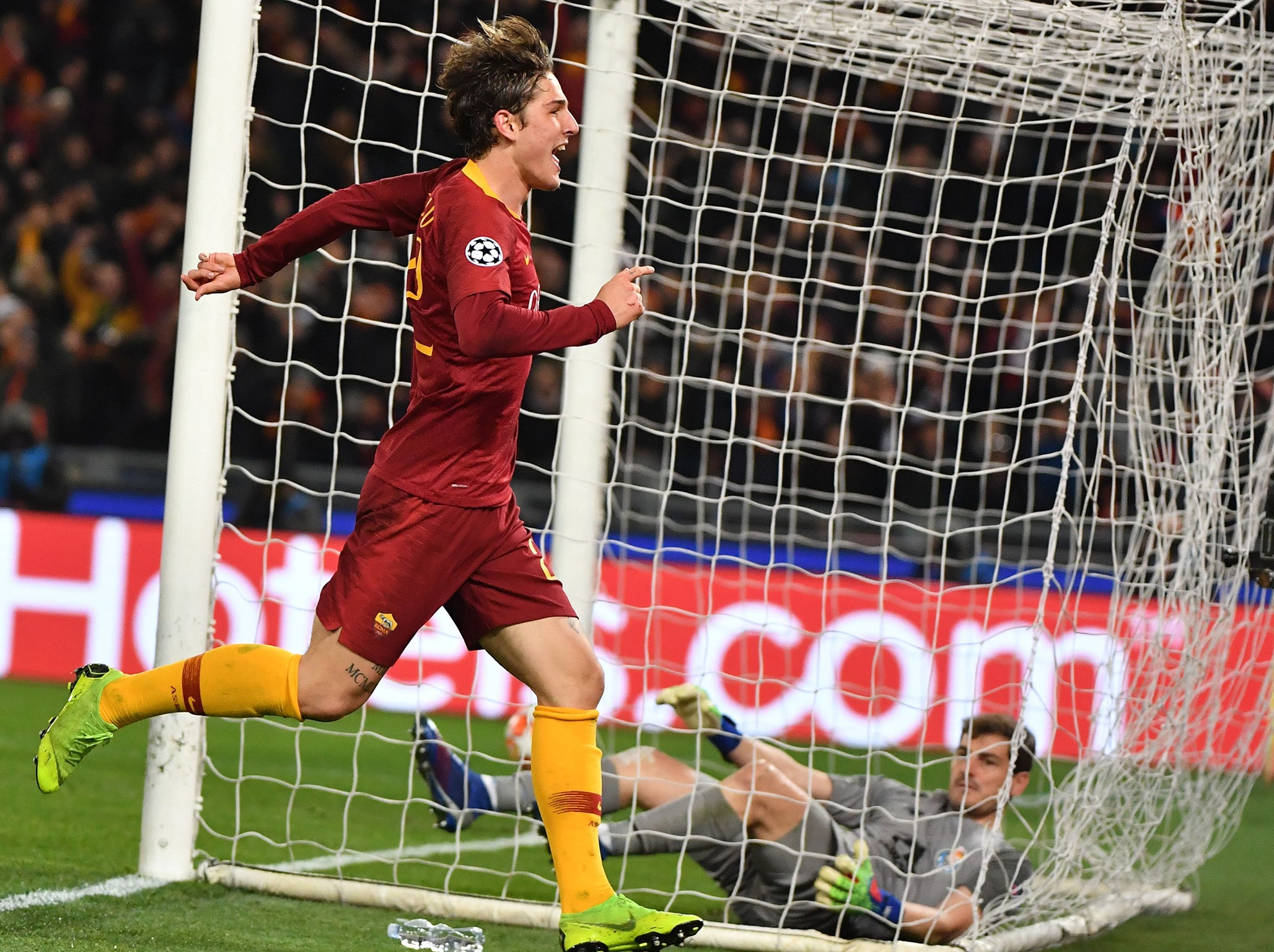 Roma vs Porto result: Nicolo Zaniolo at the double but late away goal gives guests hope