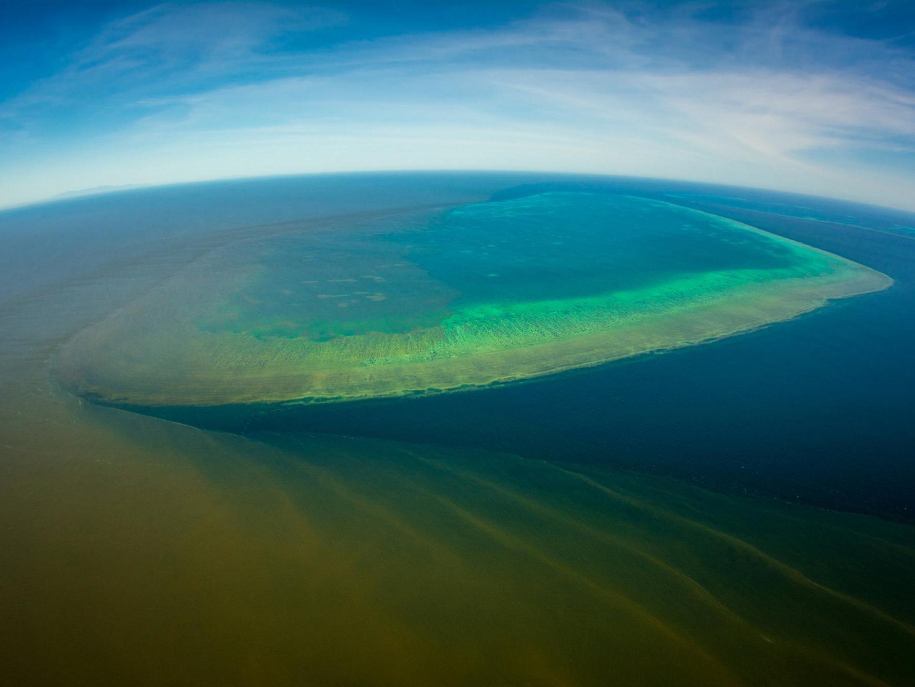 Australia approves dumping of 1 million tonnes of sludge near Great Barrier Reef