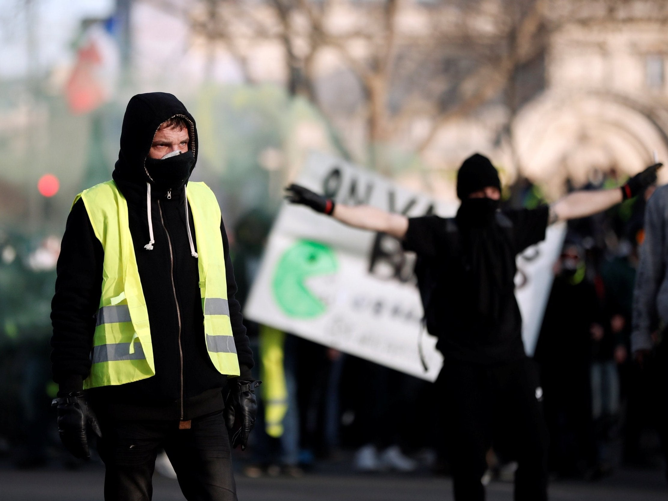 Emmanuel Macron condemns antisemitic abuse at yellow vest demonstrations in Paris