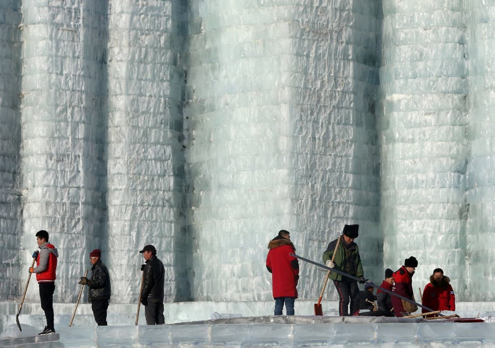 Ice sculptures melt at Chinese winter festival after sudden