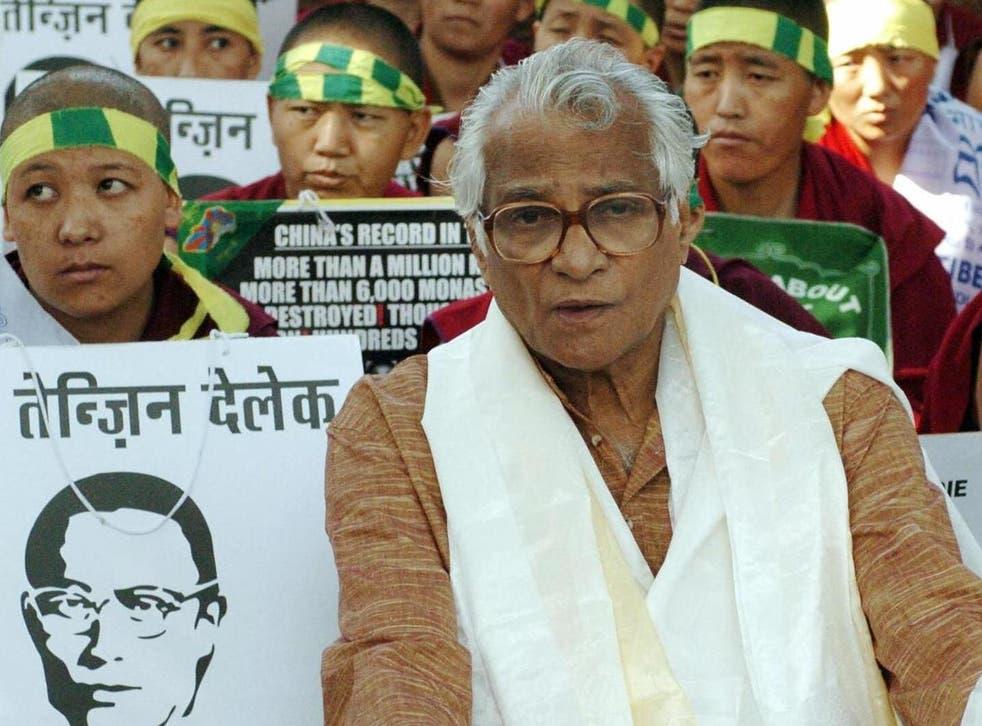 Fernandes in 2004 calling for the release of a Tibetan political prisoner