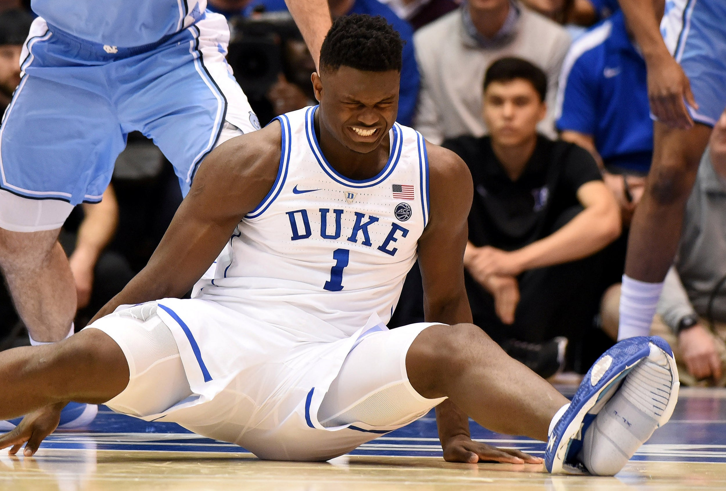 sneakers for cheap ab2ca dbd13 Zion Williamson  Nike open investigation after college basketball sensation  dubbed  the new LeBron  injured as shoe blows out