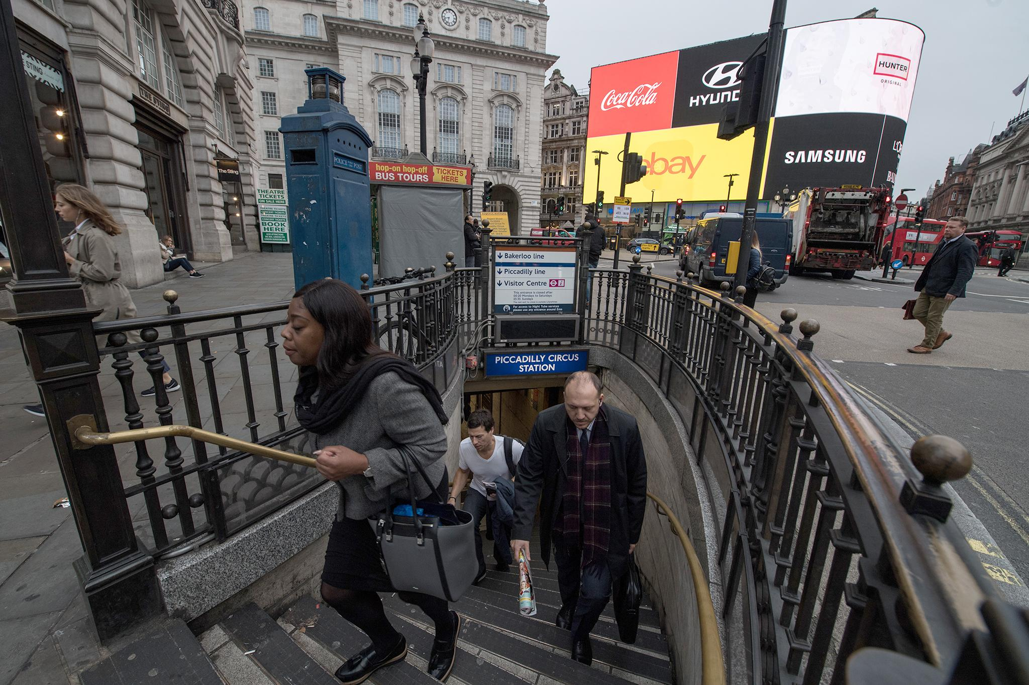 14. Piccadilly Circus