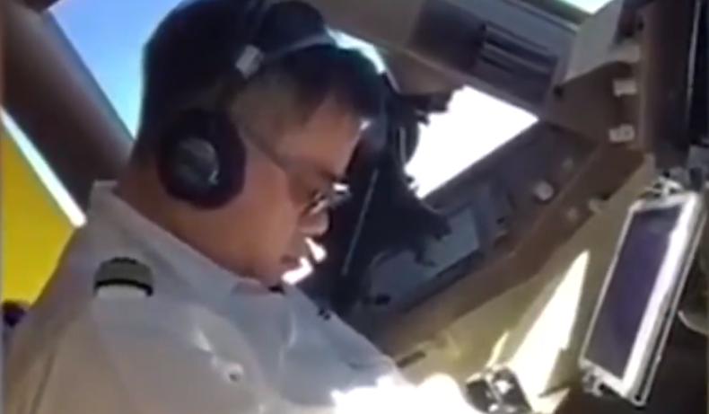 Pilot filmed sleeping in cockpit mid-flight