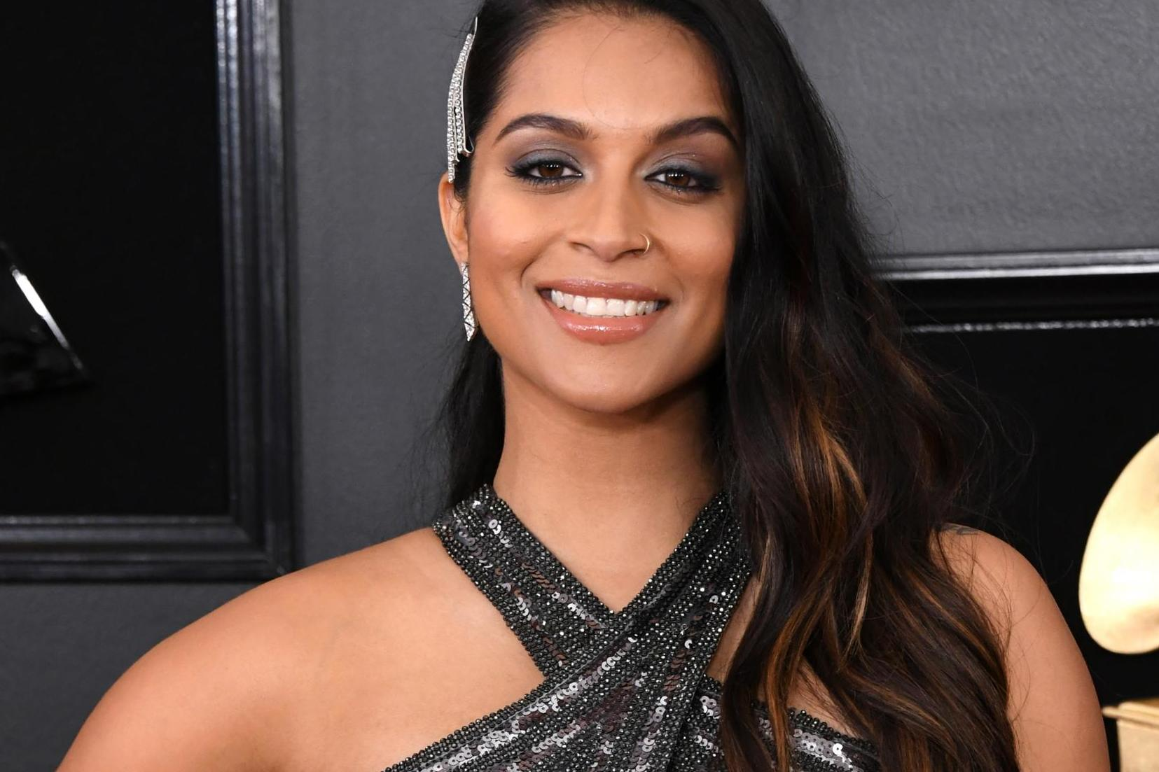 Lilly Singh Facebook: Lilly Singh Comes Out As Bisexual In Inspiring Tweet