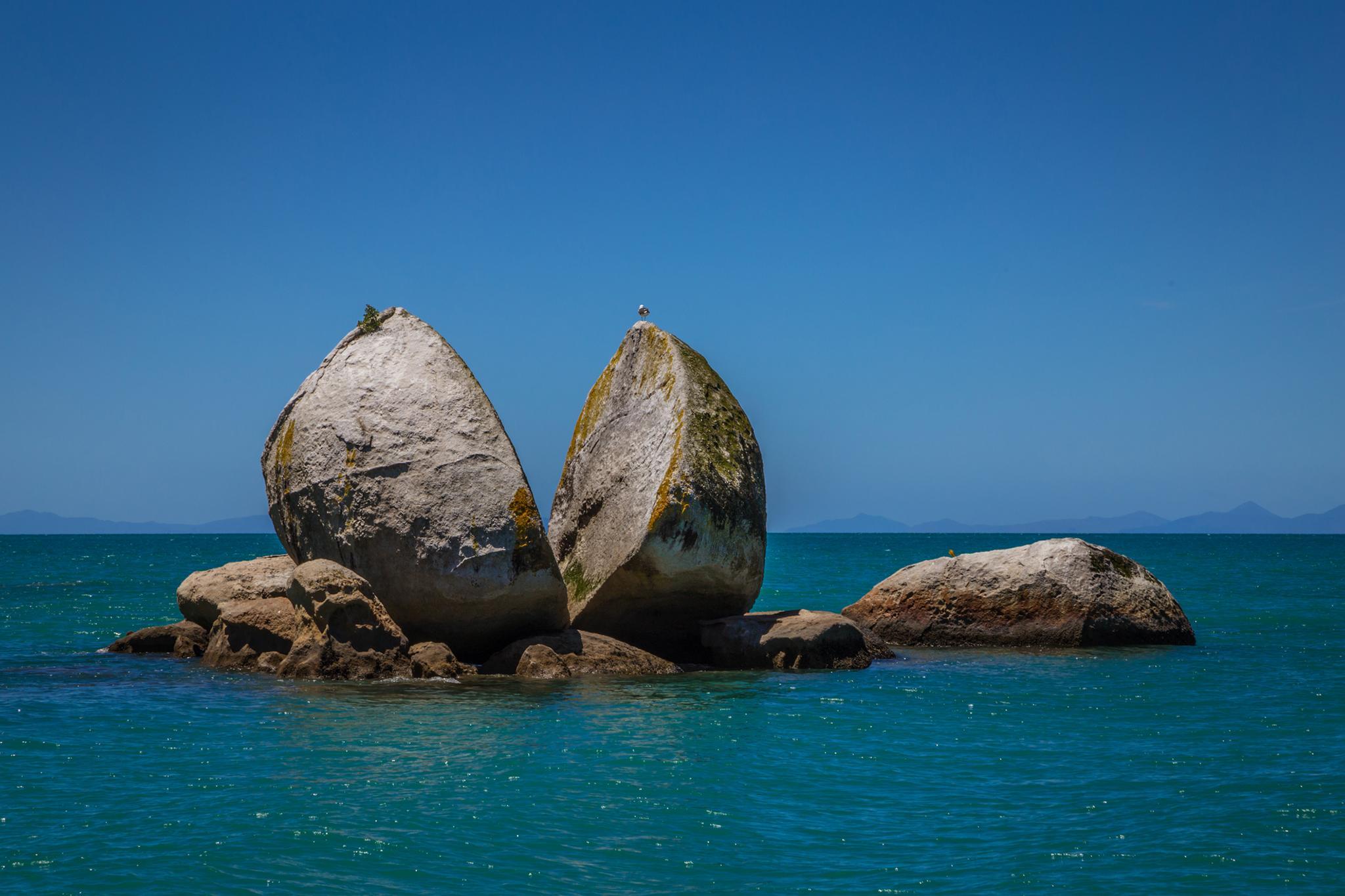 Split Apple Rock, Abel Tansman National Park
