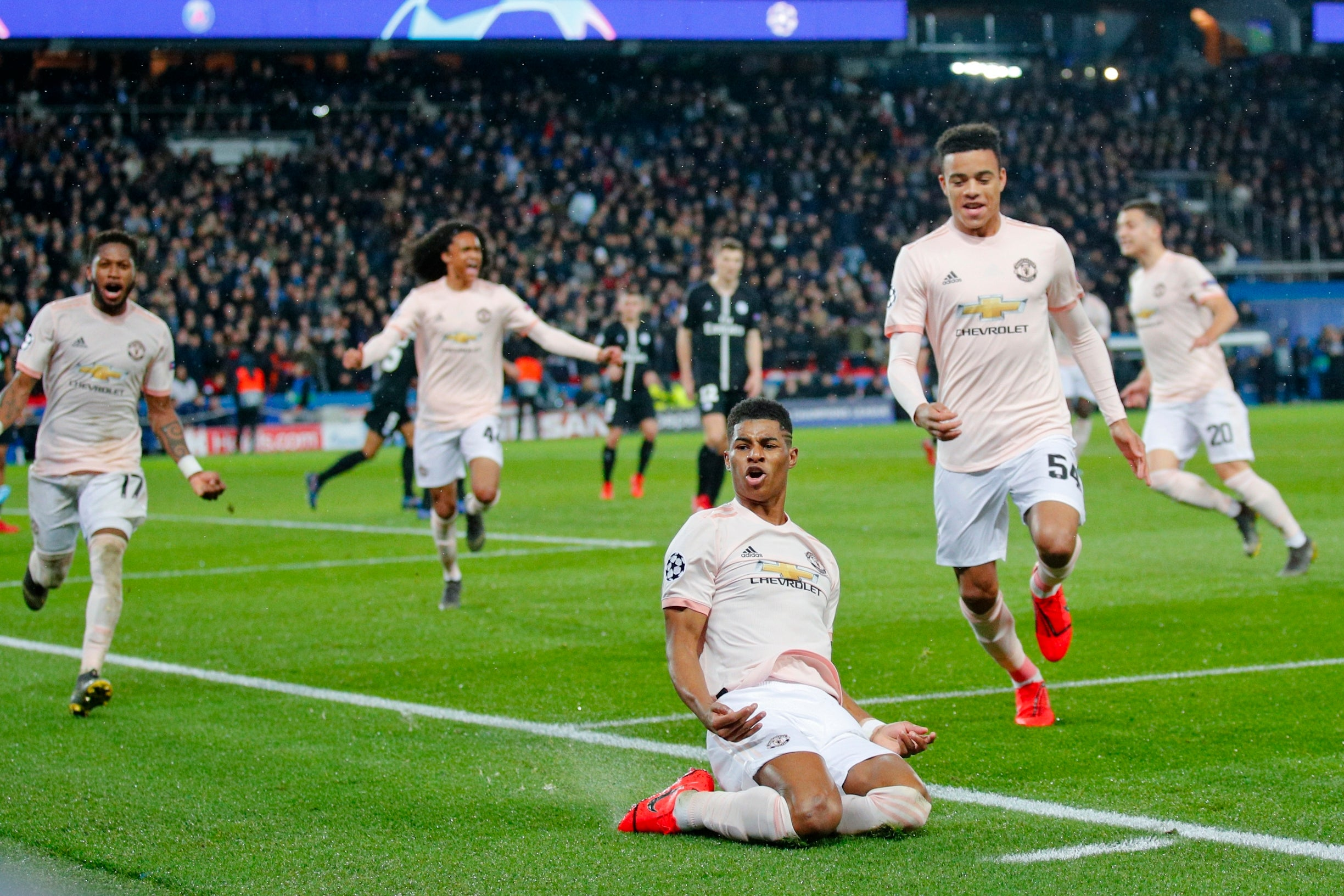 psg vs manchester united how one picture of marcus rashford in paris revealed ole gunnar. Black Bedroom Furniture Sets. Home Design Ideas