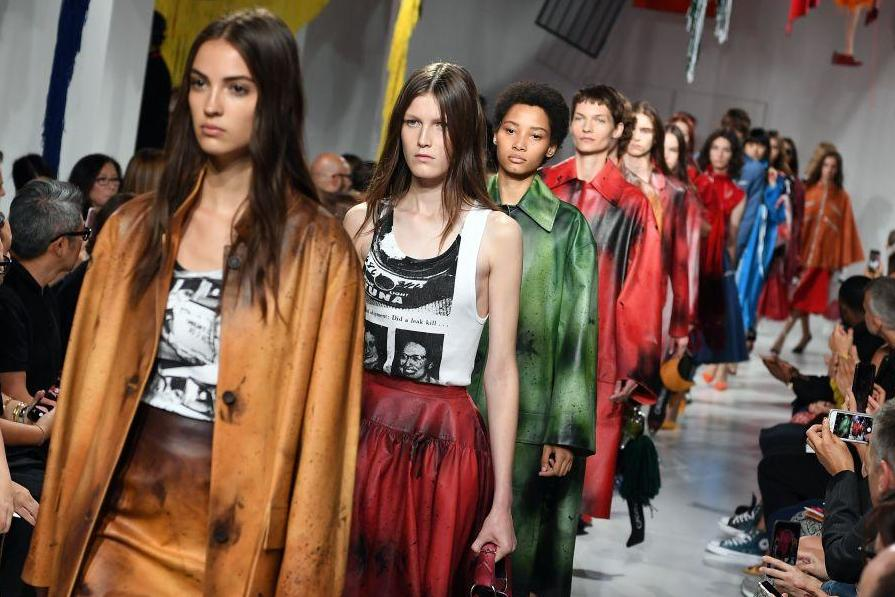7a53f887c4744 Calvin Klein announces it is closing its ready-to-wear business
