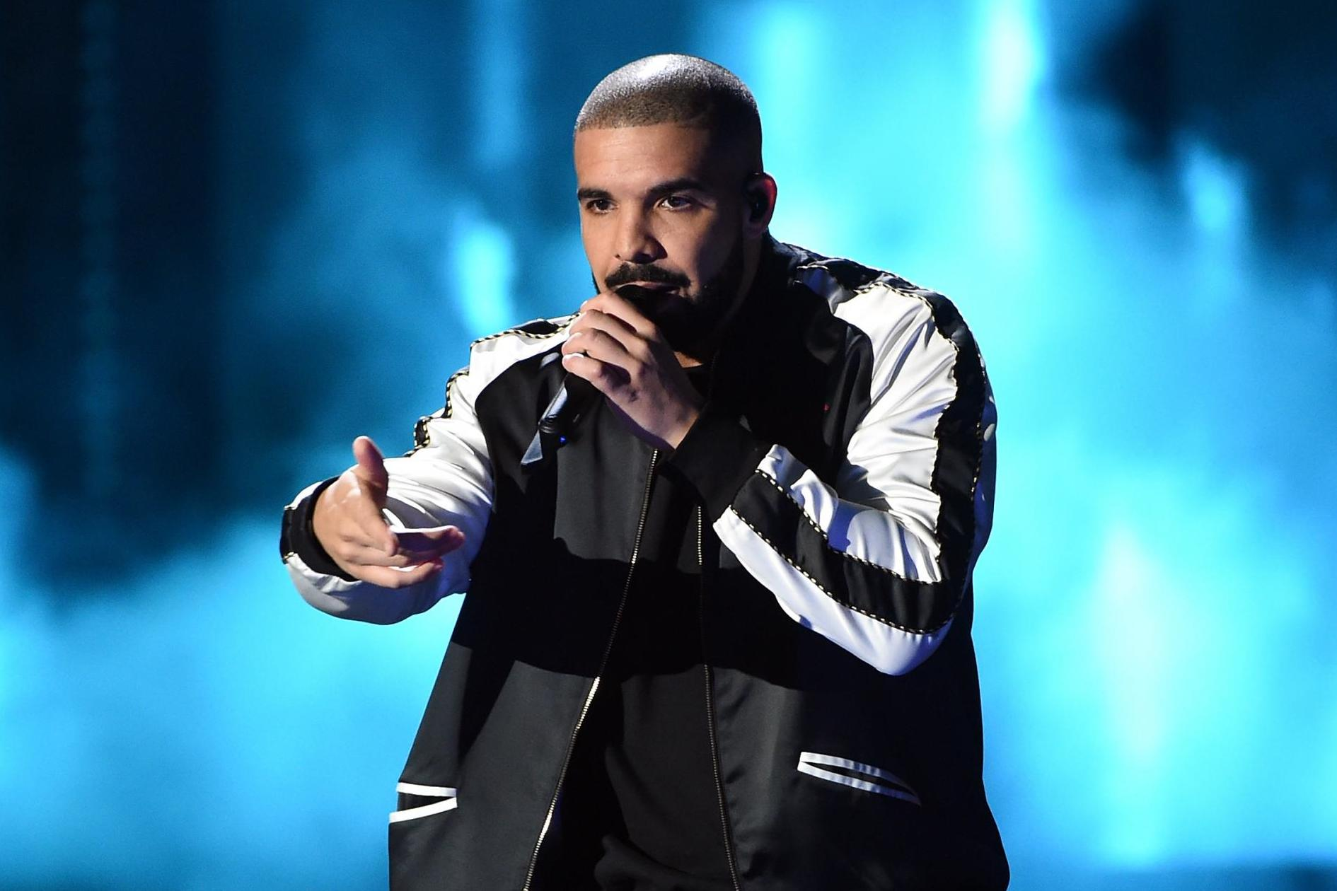 Drake pays tribute to Nipsey Hussle at O2 Arena show