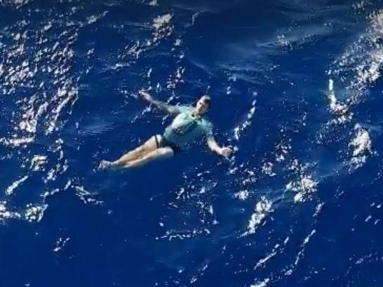 Man adrift in Pacific Ocean survives for hours by inflating