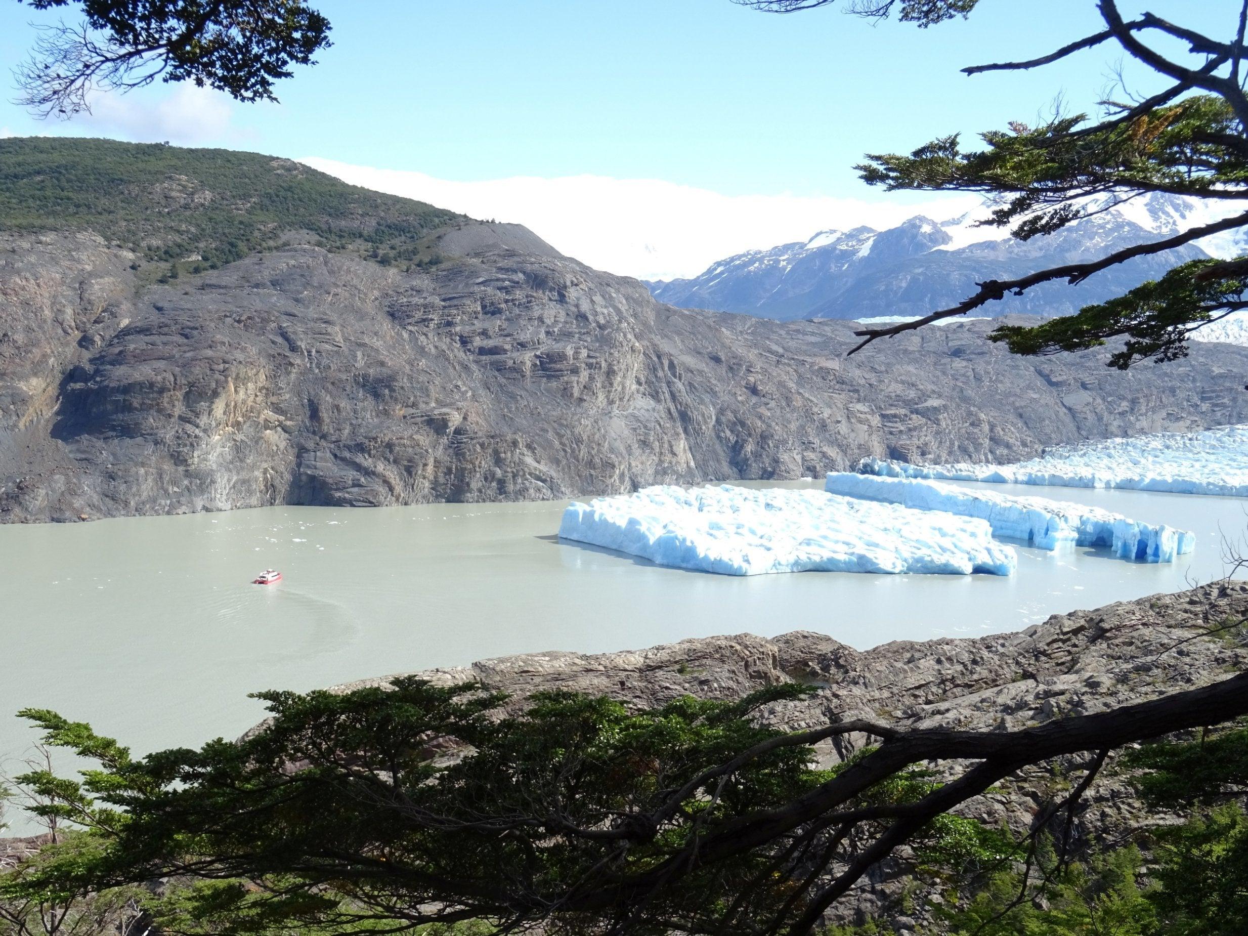 Fresh iceberg ruptures in Patagonia raise alarm about global warming