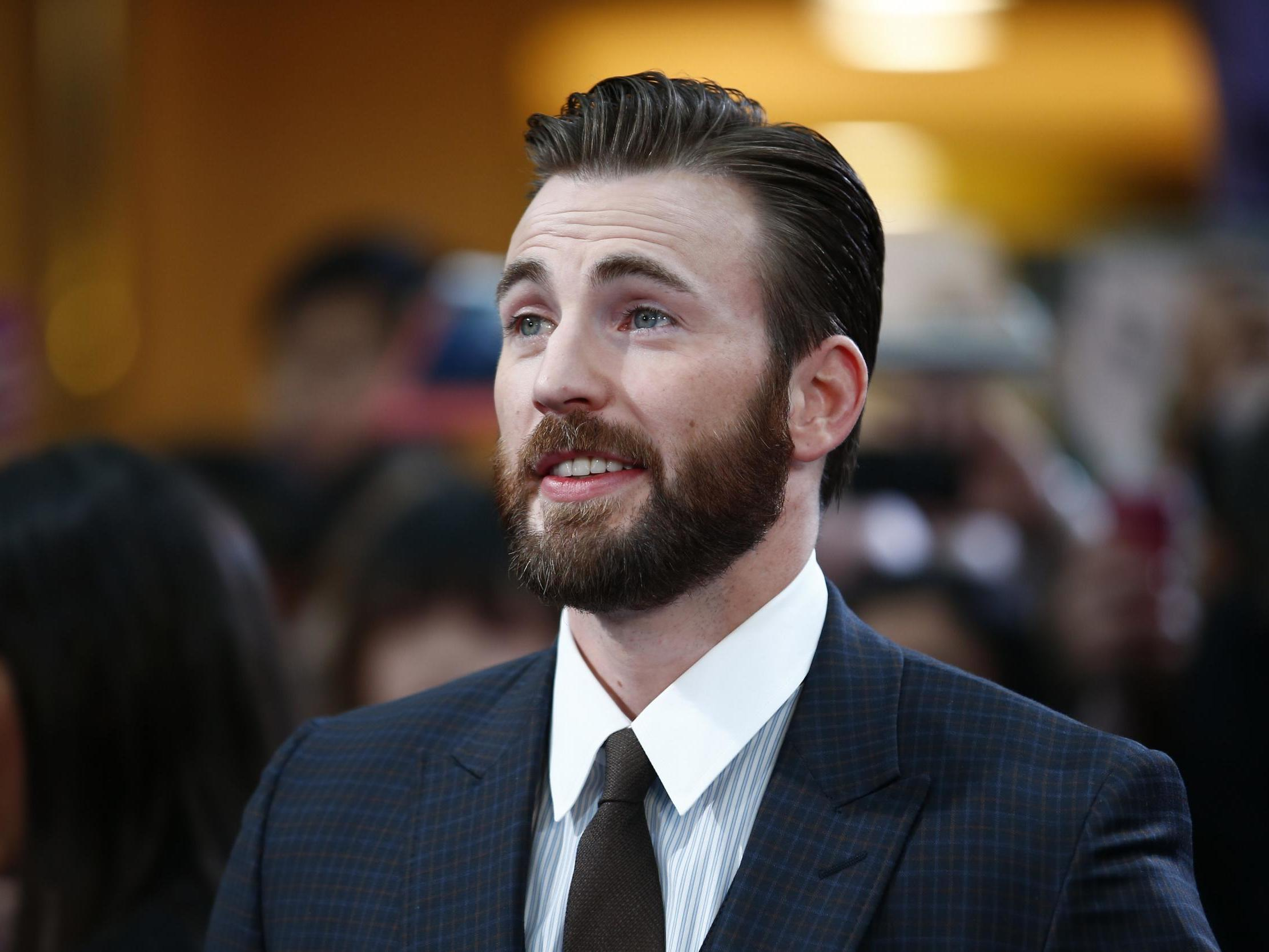 Marvel star Chris Evans stirs up Twitter storm with ranking of favourite crisps 1