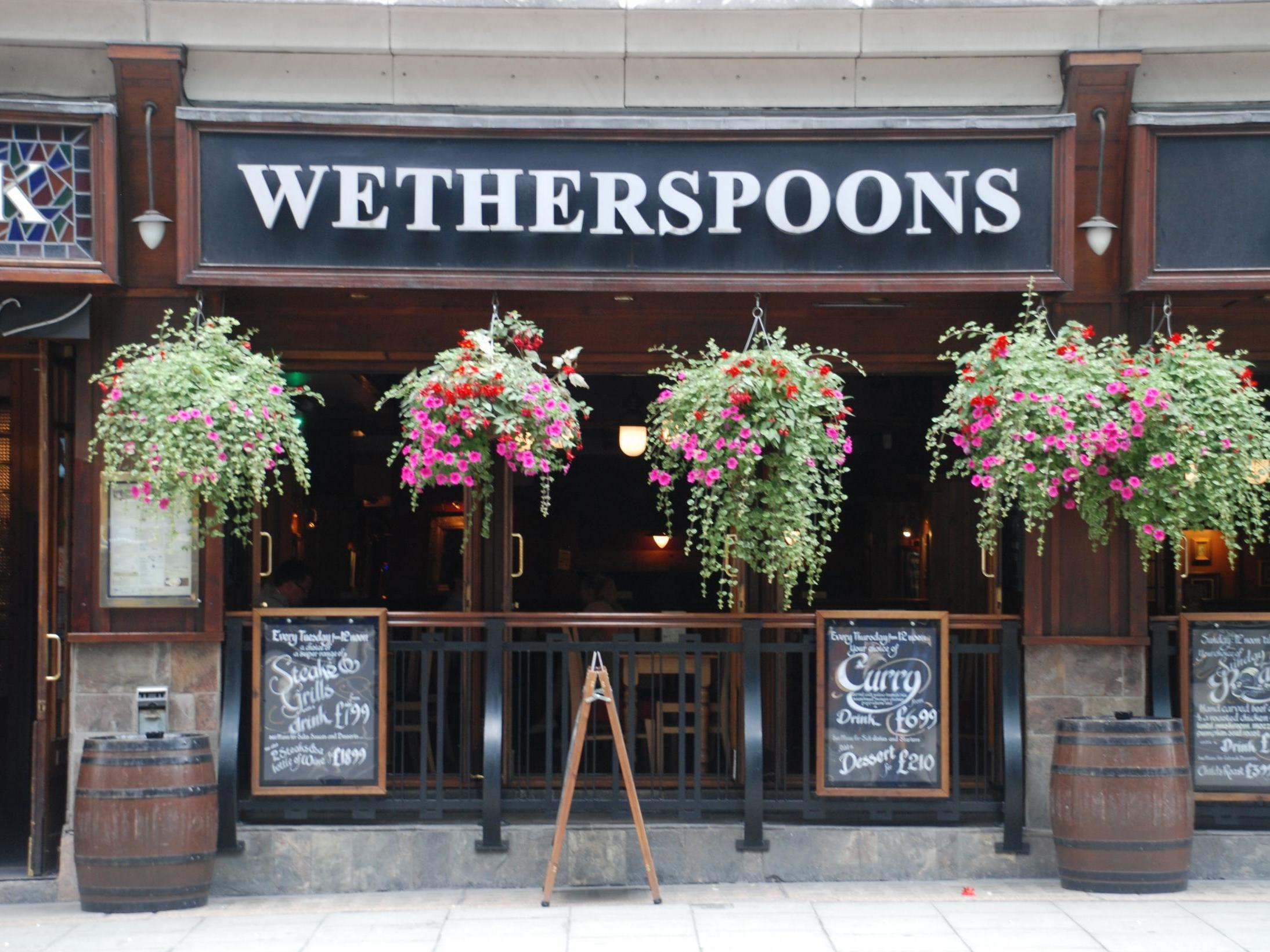 Wetherspoon's 'full English' breakfast leaves vegan customers 'disappointed' 1