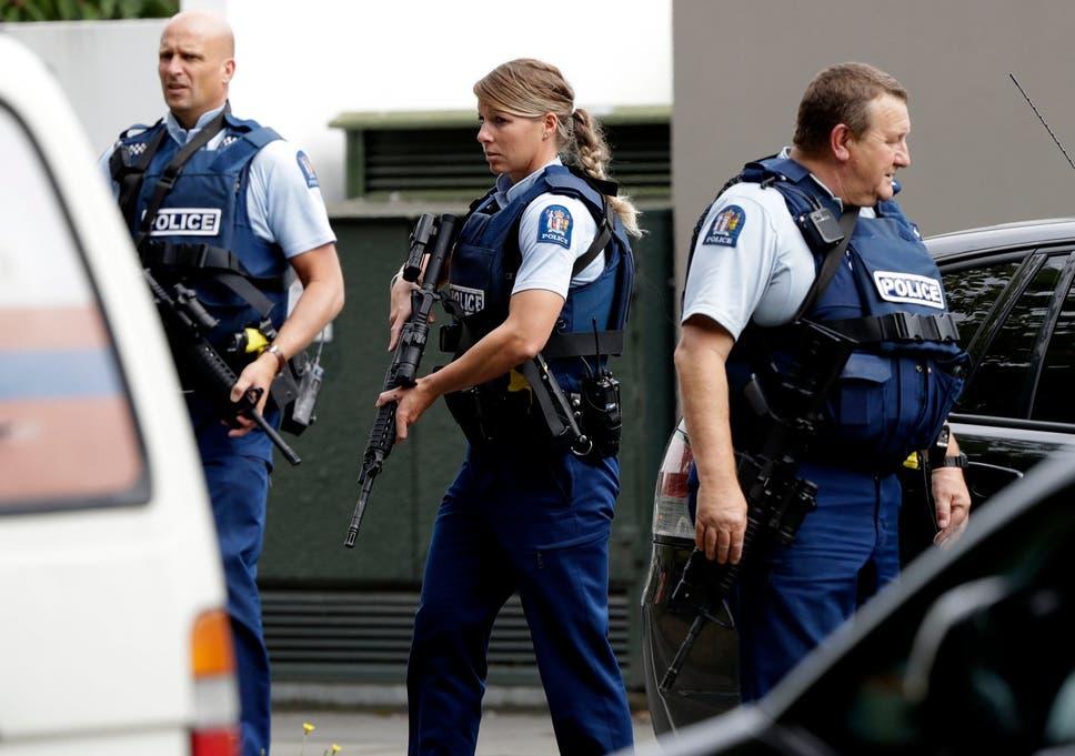 TERRORISTA INVADE MESQUITA MATANDO VÁRIOS NA NOVA ZELÂNDIA E TRANSMITE AO VIVO NO FACEBOOK