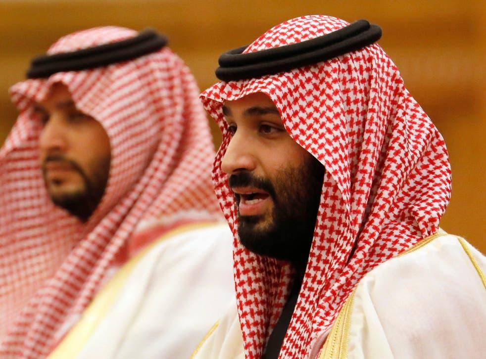 Saudi Crown Prince Mohammed bin Salman (right)