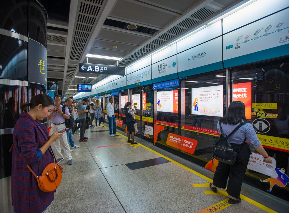 A number of incidents have been reported in which Guangzhou Metro staff have attempted to deny users entry due to their appearance