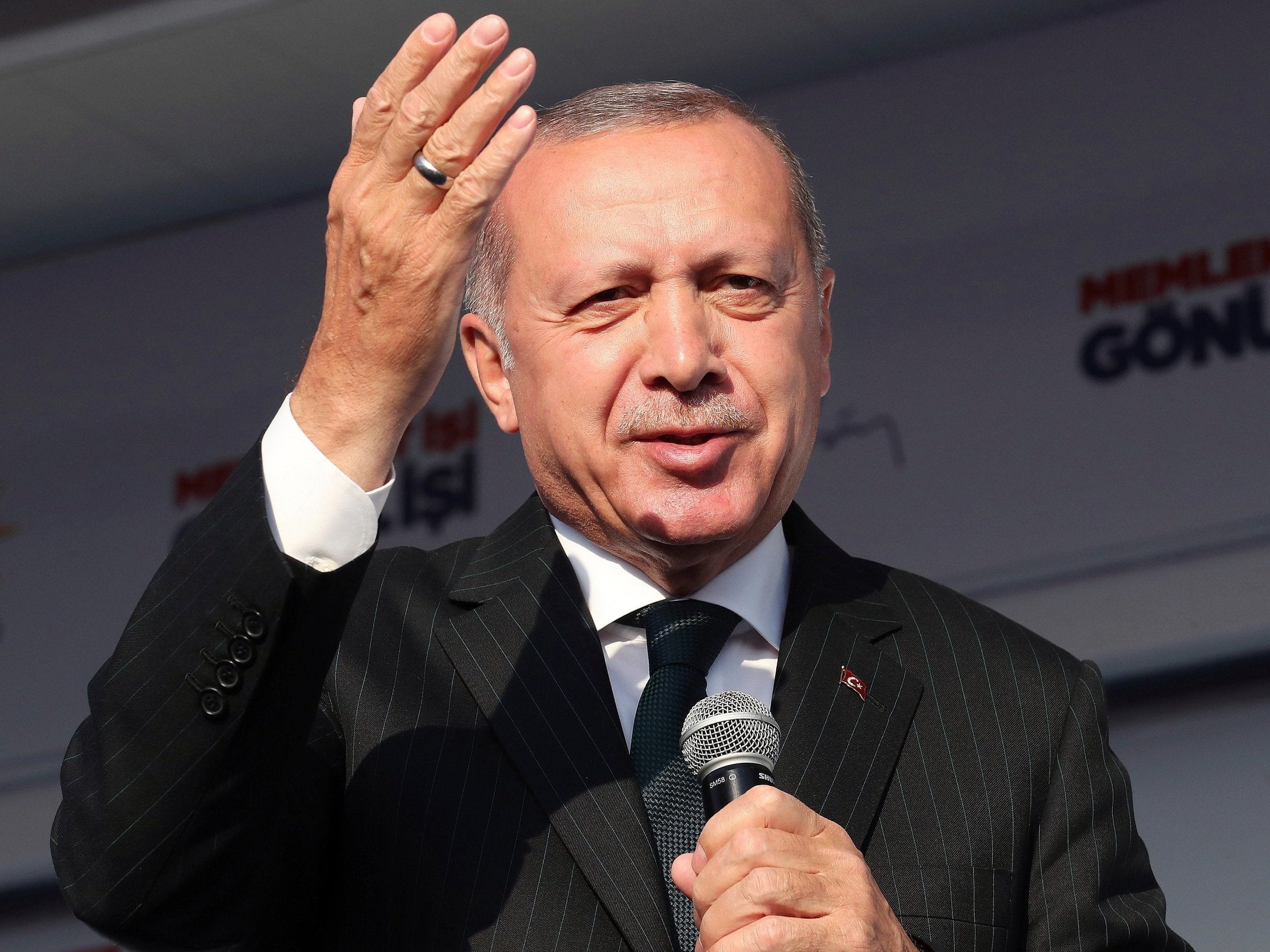 New Zealand leader Jacinda Ardern sends minister to Turkey to 'confront' Erdogan about mosque shooting comments