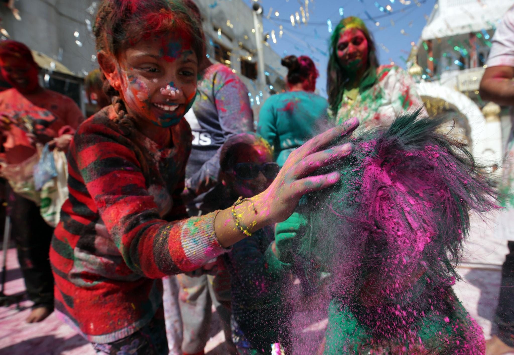 c00e0bfe3 Holi 2019 in pictures  Hindus celebrate Indian Festival of Colours ...