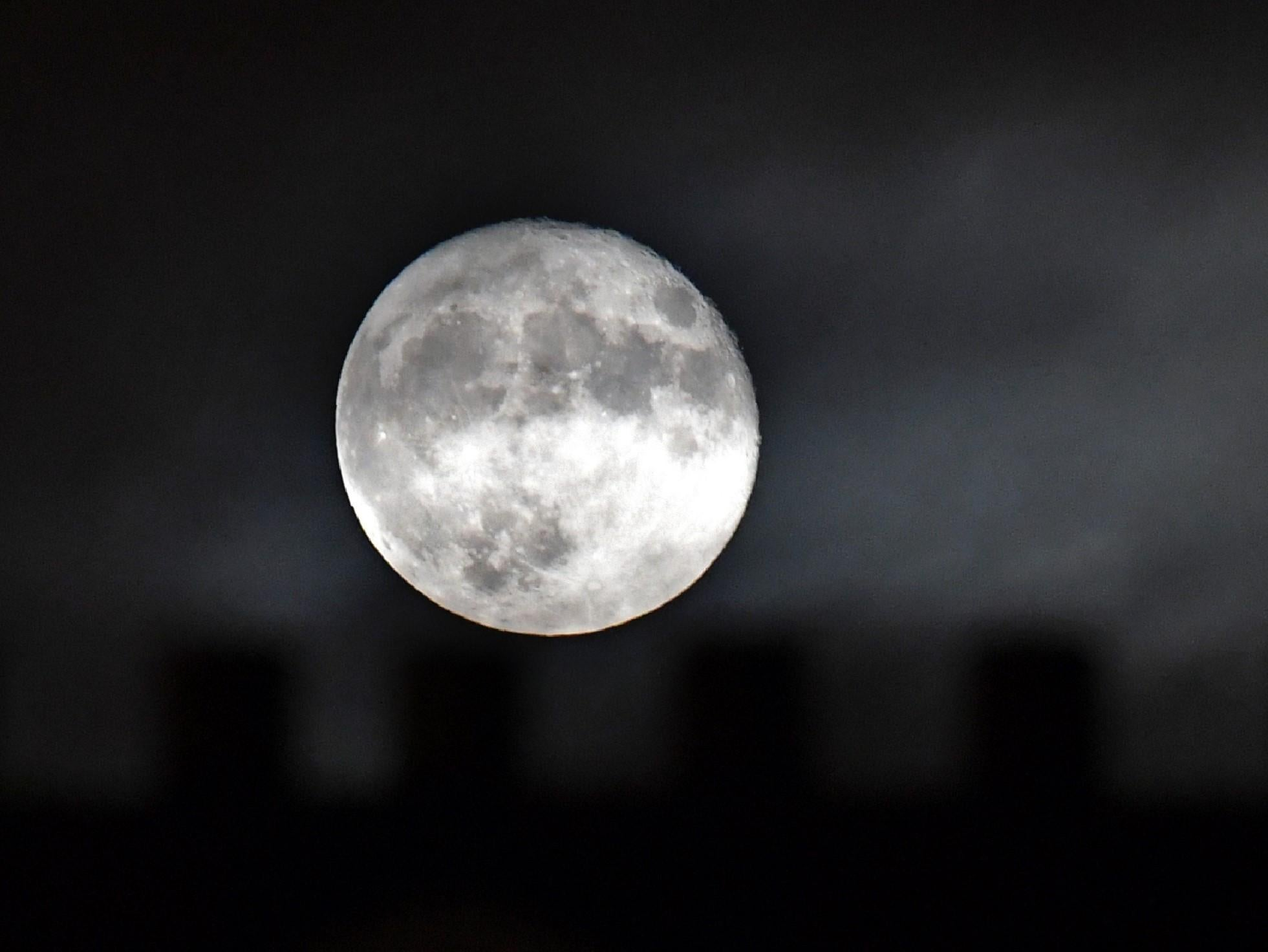 Flower full moon 2020: How to watch the final supermoon of the year next month - The Independent