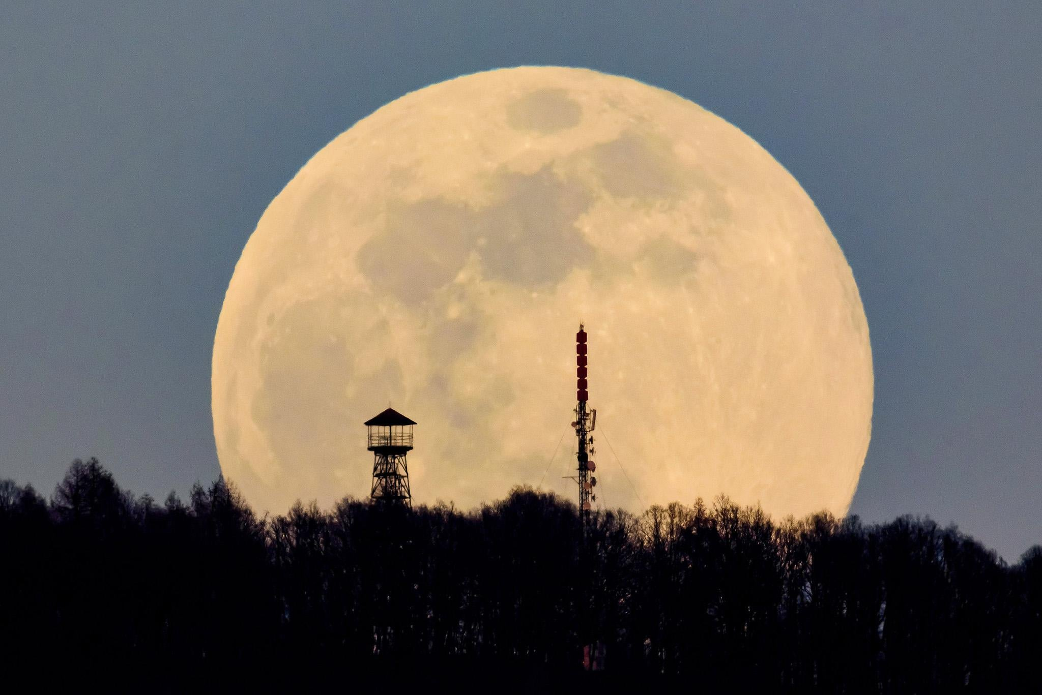 Super moon tonight: How to see the spring equinox Worm Moon in the