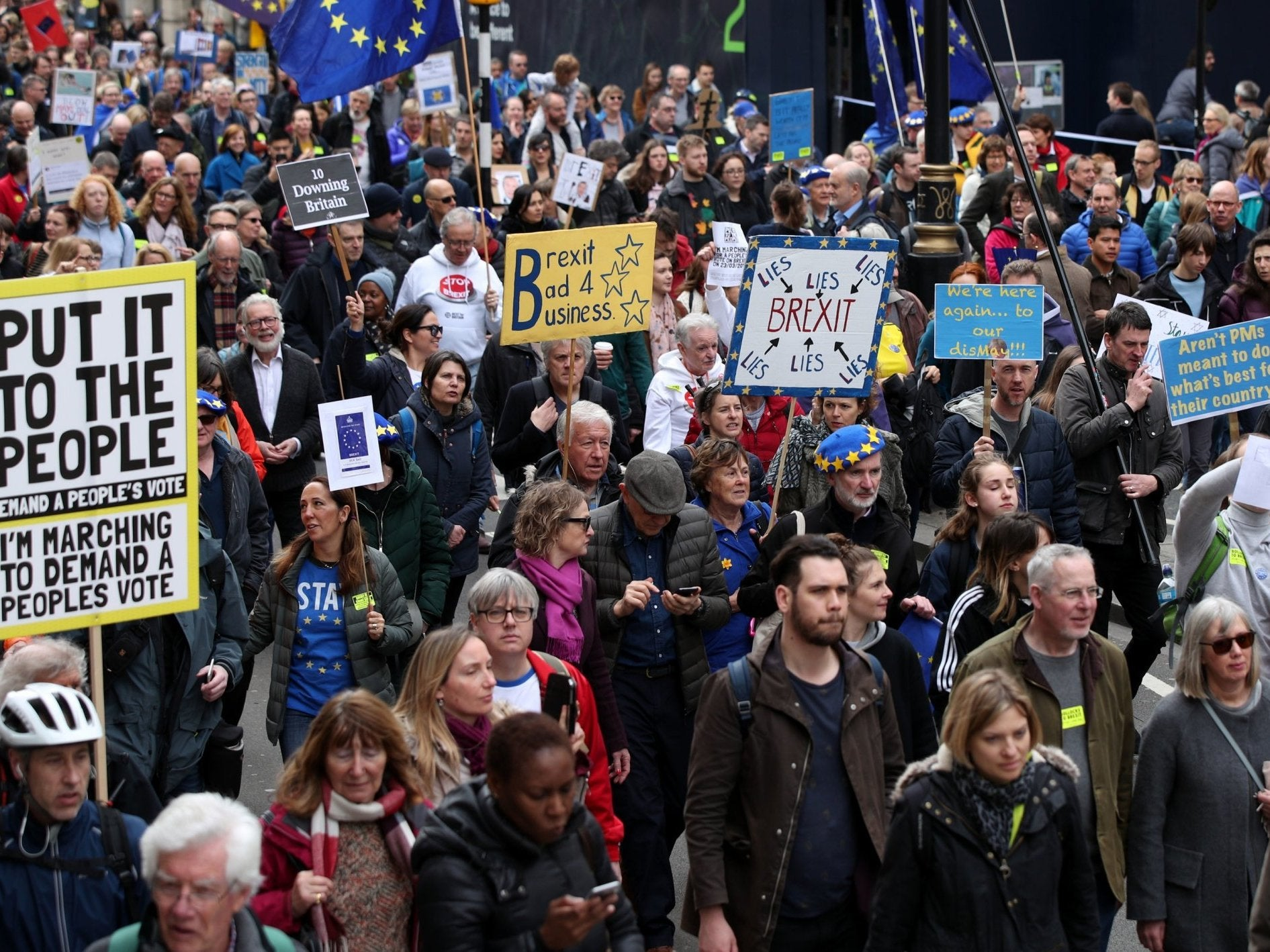 Brexit march latest: 'Million Put It To The People protesters' rally
