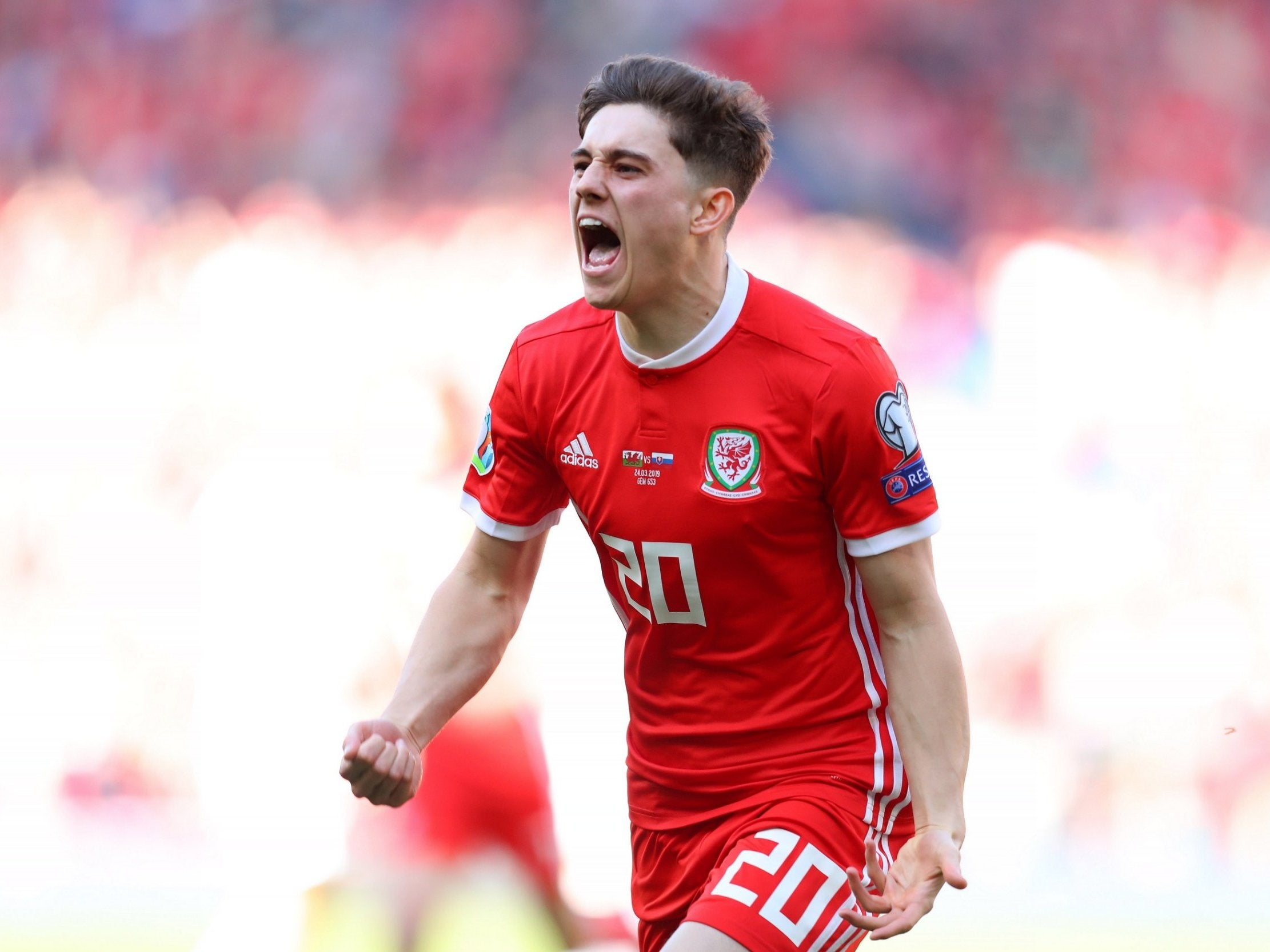Daniel James: Ryan Giggs hails 'amazing' Manchester United star after inspiring Wales past Belarus