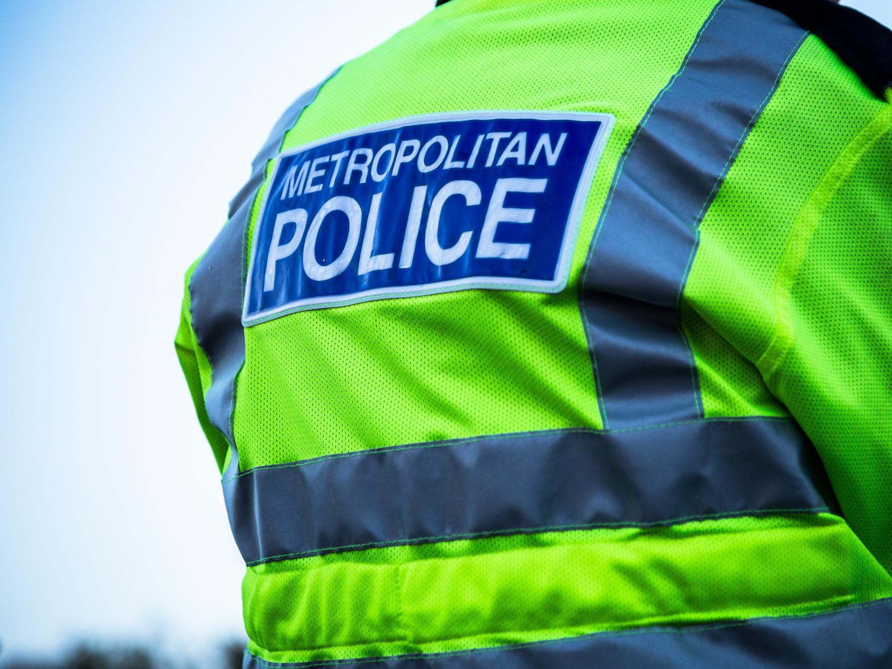Police hunting burglar gang who poured cleaning fluid into victim's eyes