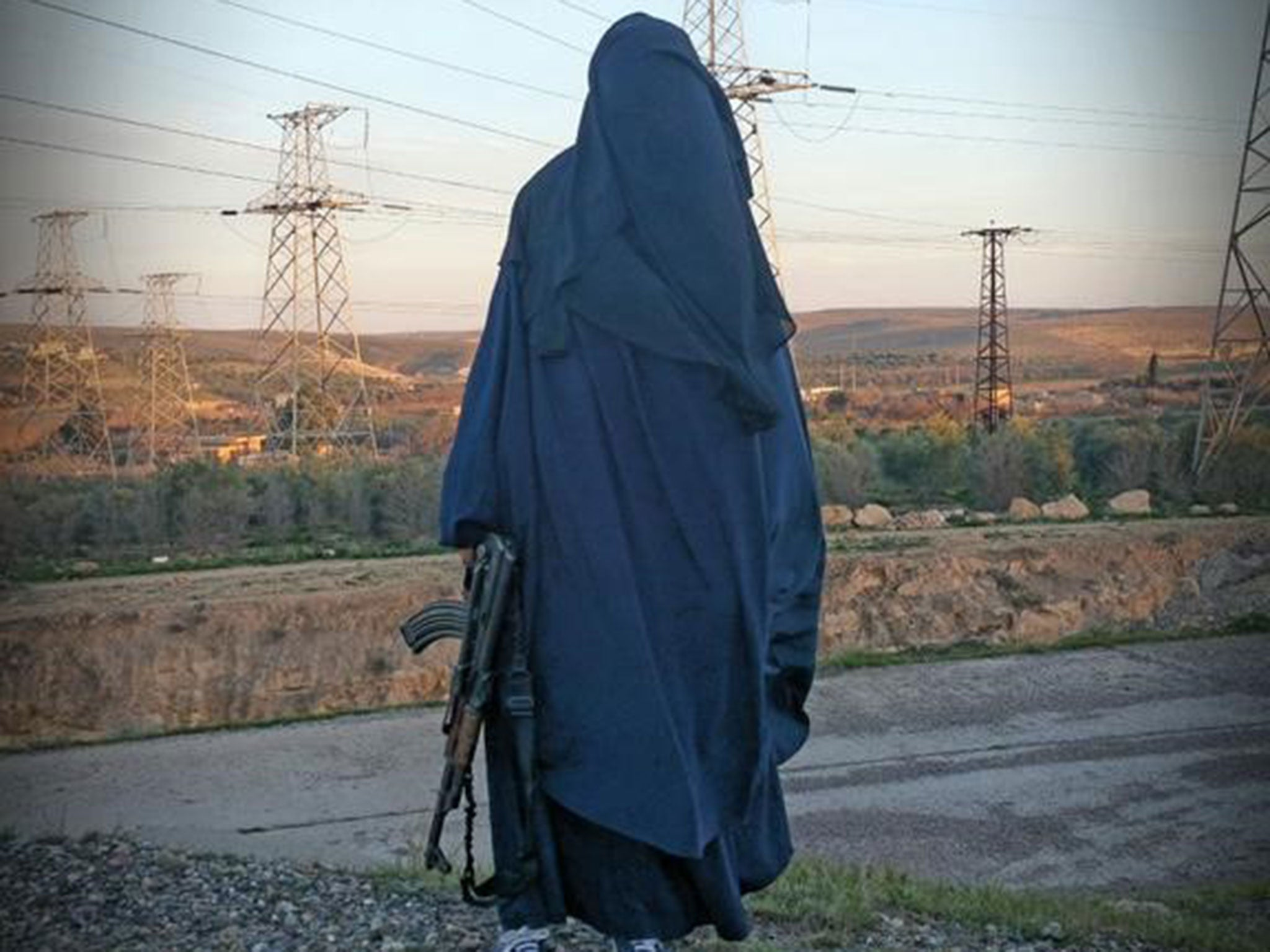 huge selection of 387eb 0f91d Female Isis recruiter who targeted teens wants UK return
