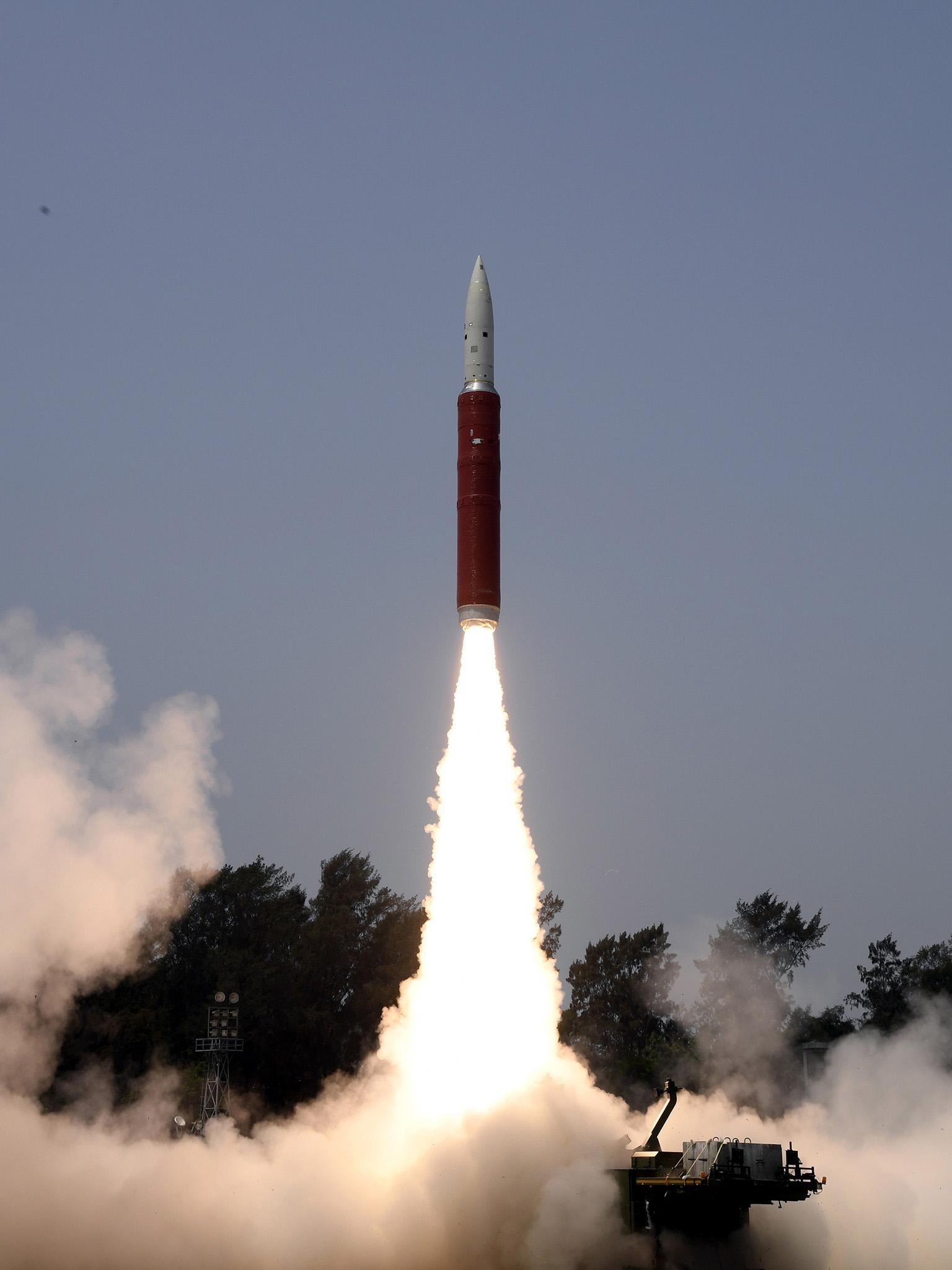 """""""Super league"""" India shoots down satellite"""