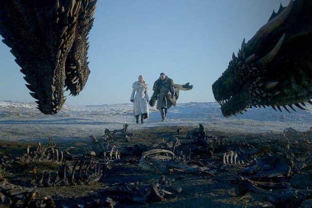 Emilia Clarke and Kit Harington on 'Game of Thrones'