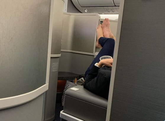 American Airlines passengers shamed for doing barefoot