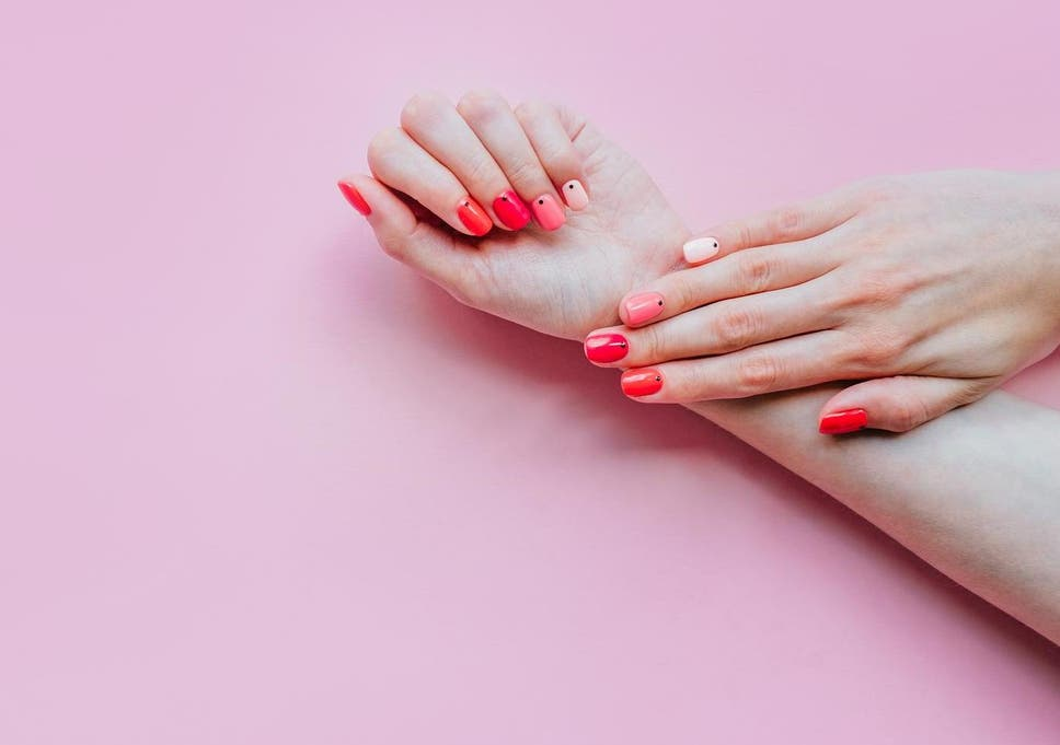 Gradient manicure How to achieve the nail look of Spring