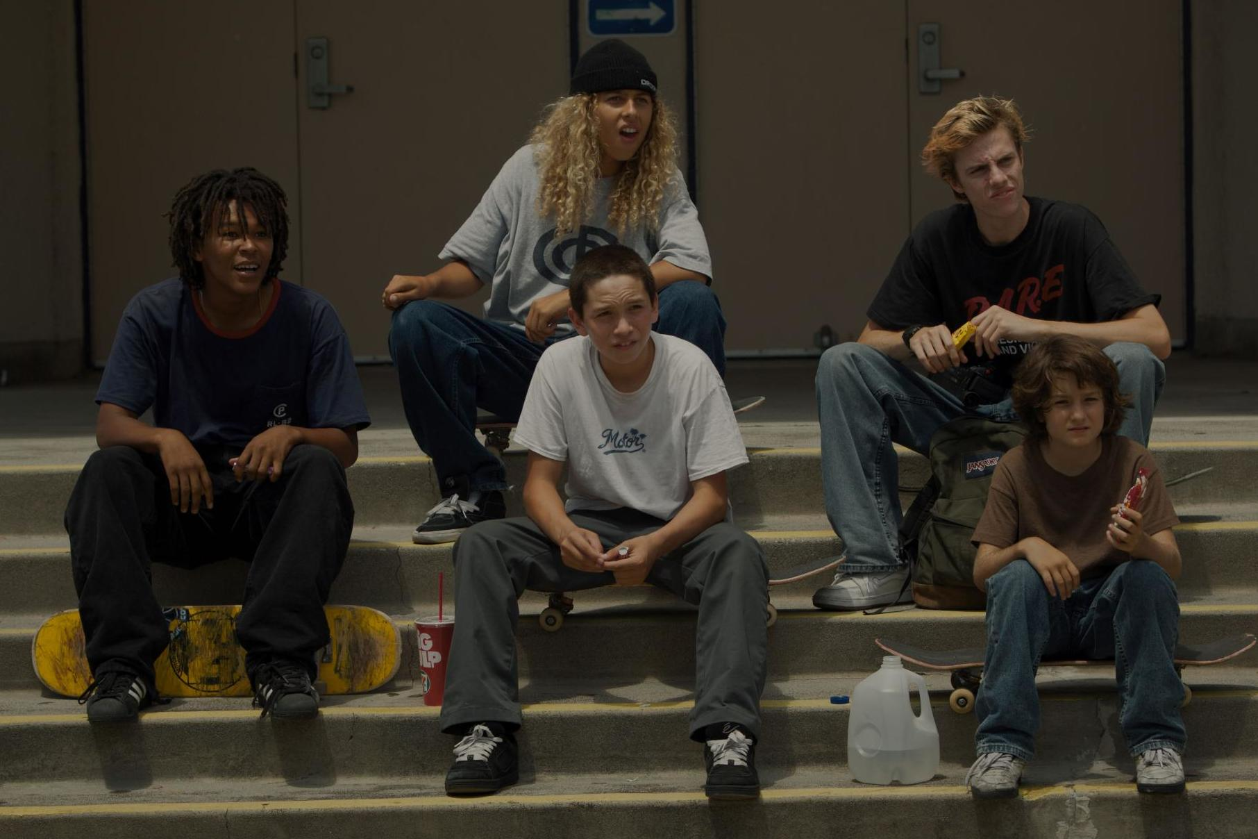 Growing up as a boy hurts, in Jonah Hill's Mid90s