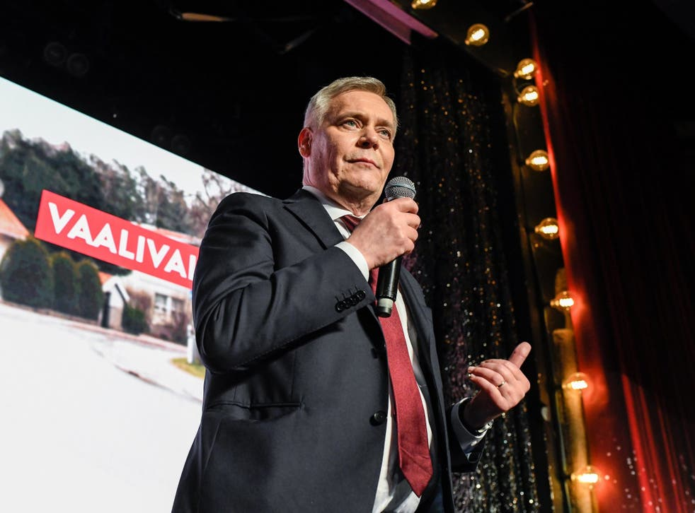 Antti Rinne celebrates in Helsinki after results are announced