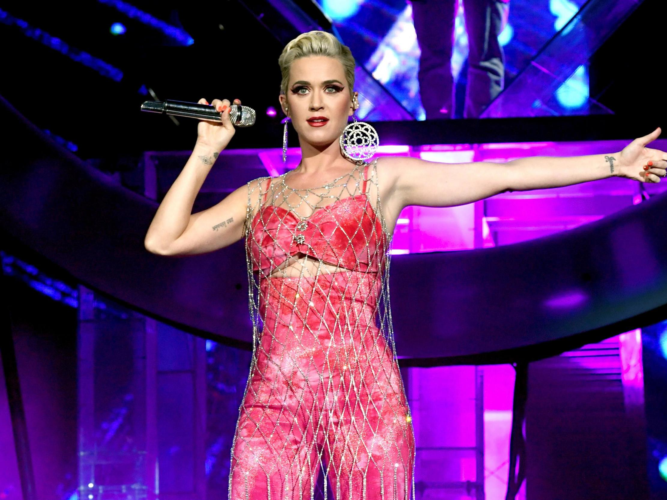Who is katy perry dating today who pays