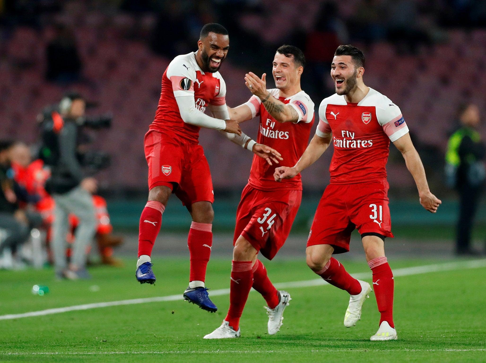 Napoli vs Arsenal result: Alexandre Lacazette free-kick eases Gunners into Europa League final four