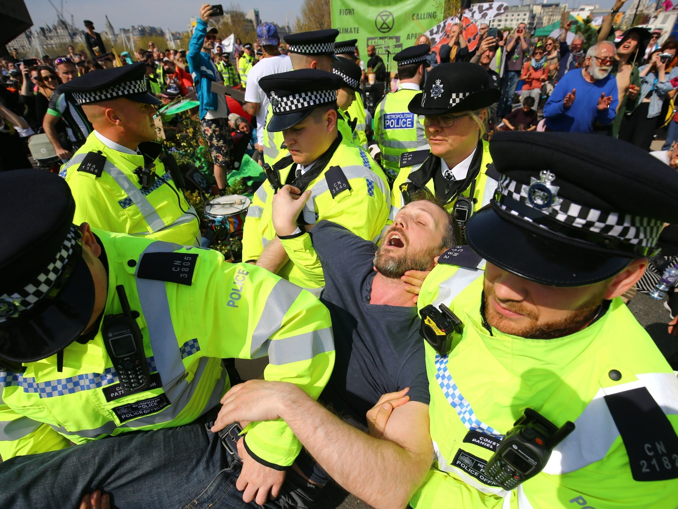 Extinction Rebellion: Police to pass 'every single one' of