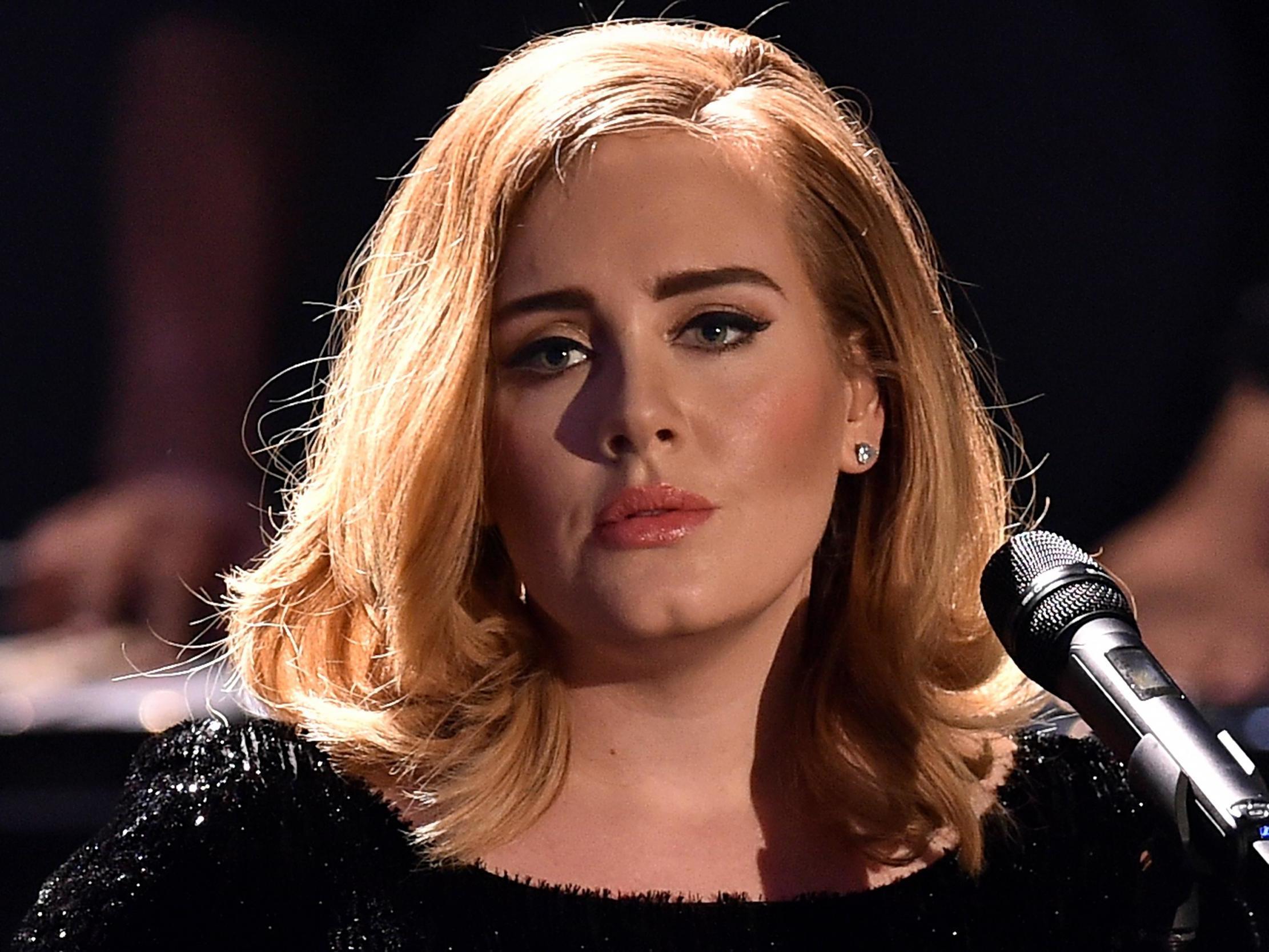 Adele splits from husband Simon Konckei